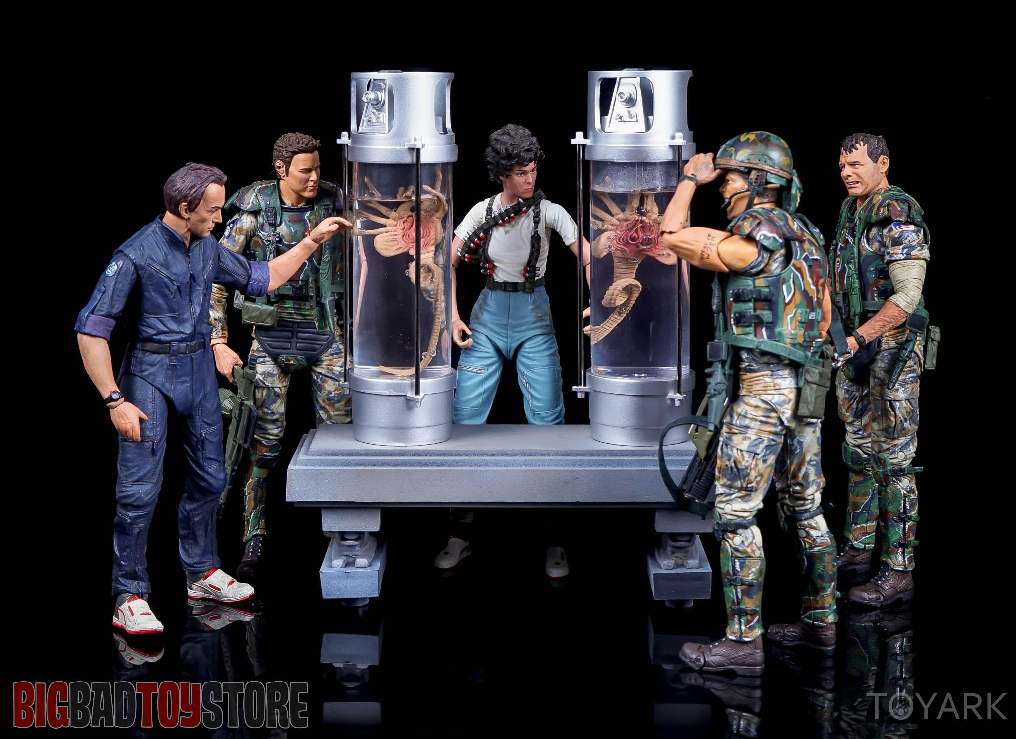 http://news.toyark.com/wp-content/uploads/sites/4/2016/08/NECA-Aliens-Creature-Pack-041.jpg
