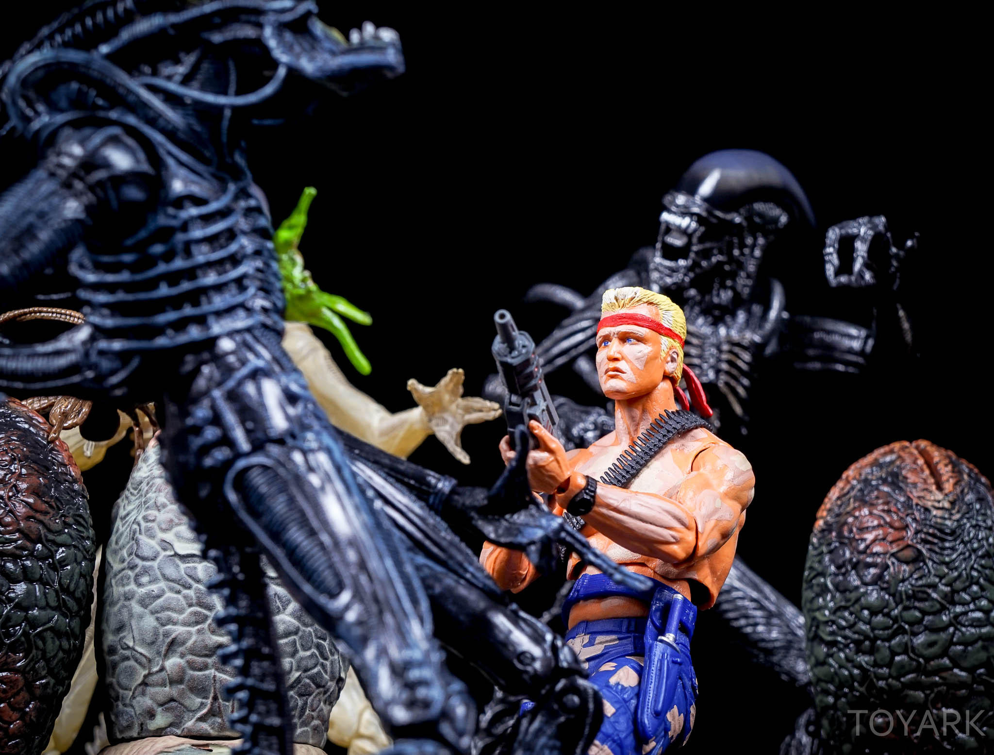 http://news.toyark.com/wp-content/uploads/sites/4/2016/08/NECA-Contra-VGA-053.jpg