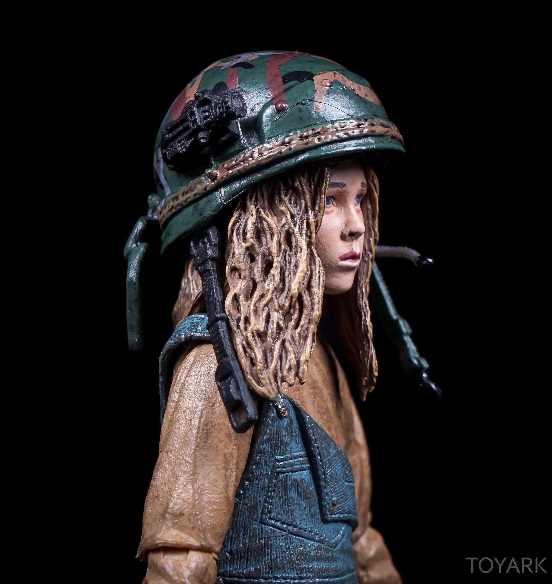 http://news.toyark.com/wp-content/uploads/sites/4/2016/08/NECA-SDCC2016-Aliens-Newt-016.jpg