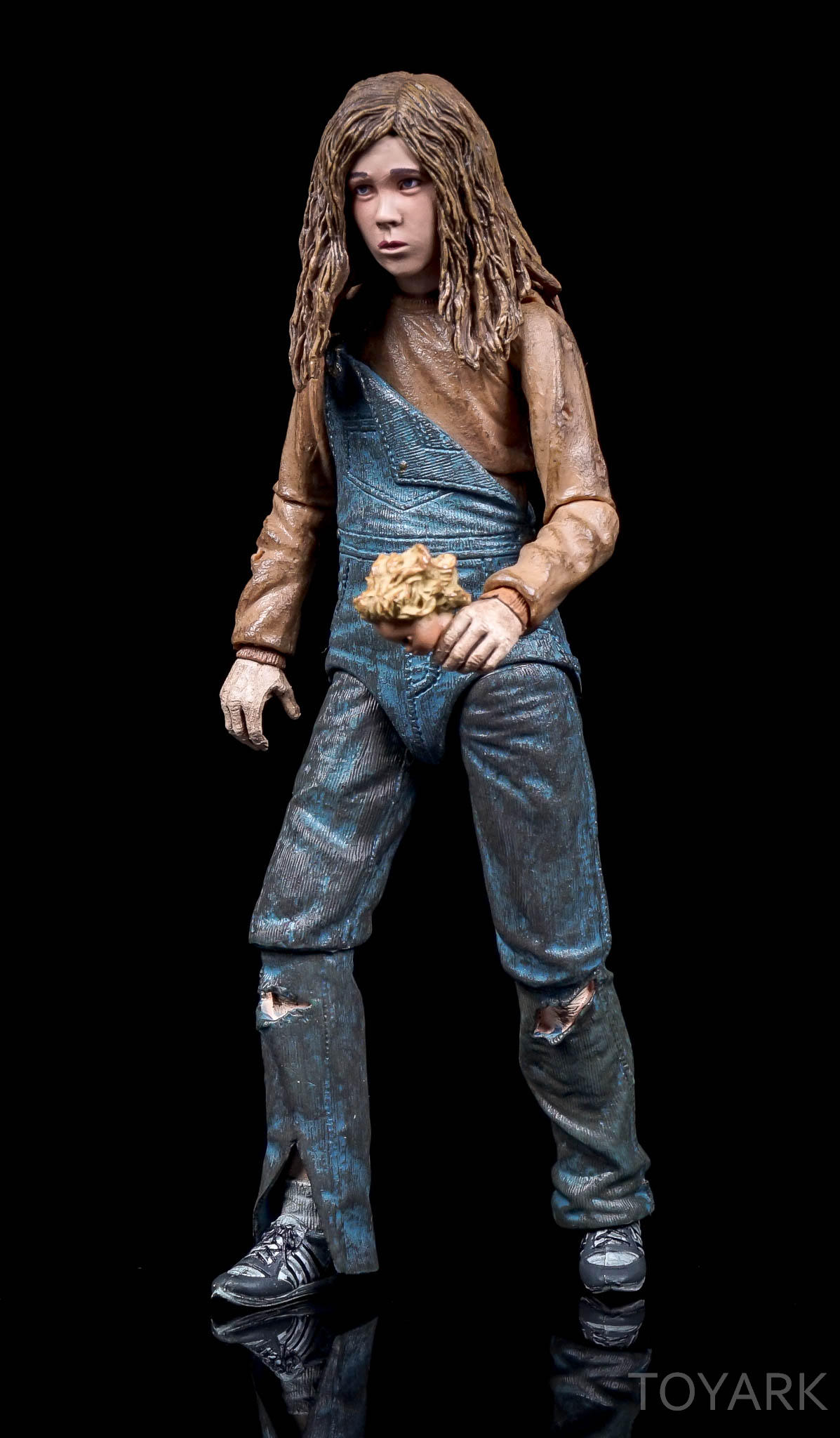 http://news.toyark.com/wp-content/uploads/sites/4/2016/08/NECA-SDCC2016-Aliens-Newt-026.jpg