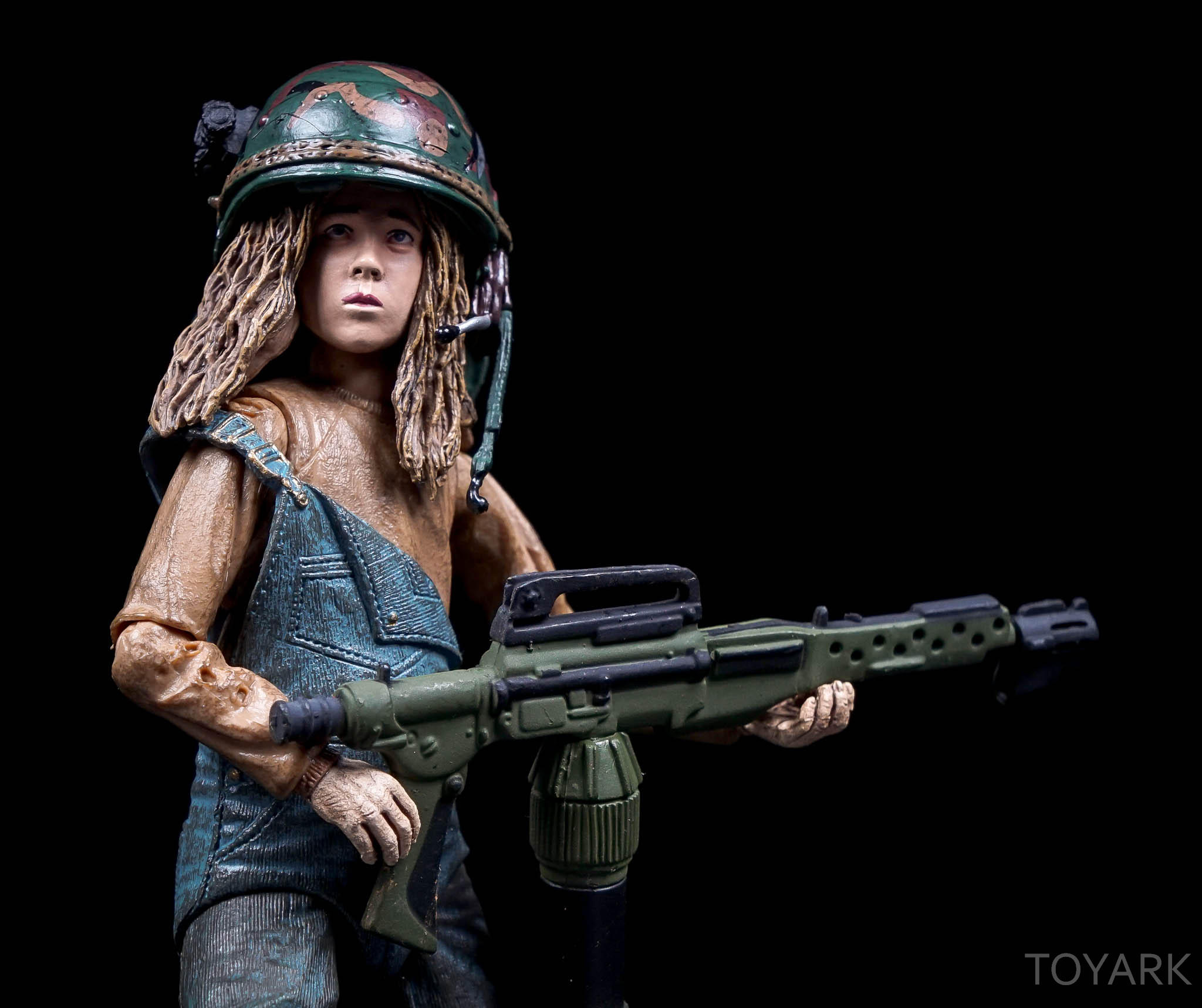 http://news.toyark.com/wp-content/uploads/sites/4/2016/08/NECA-SDCC2016-Aliens-Newt-030.jpg