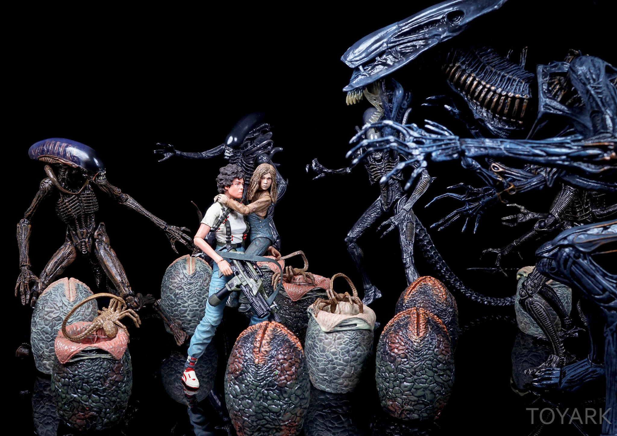 http://news.toyark.com/wp-content/uploads/sites/4/2016/08/NECA-SDCC2016-Aliens-Newt-044.jpg