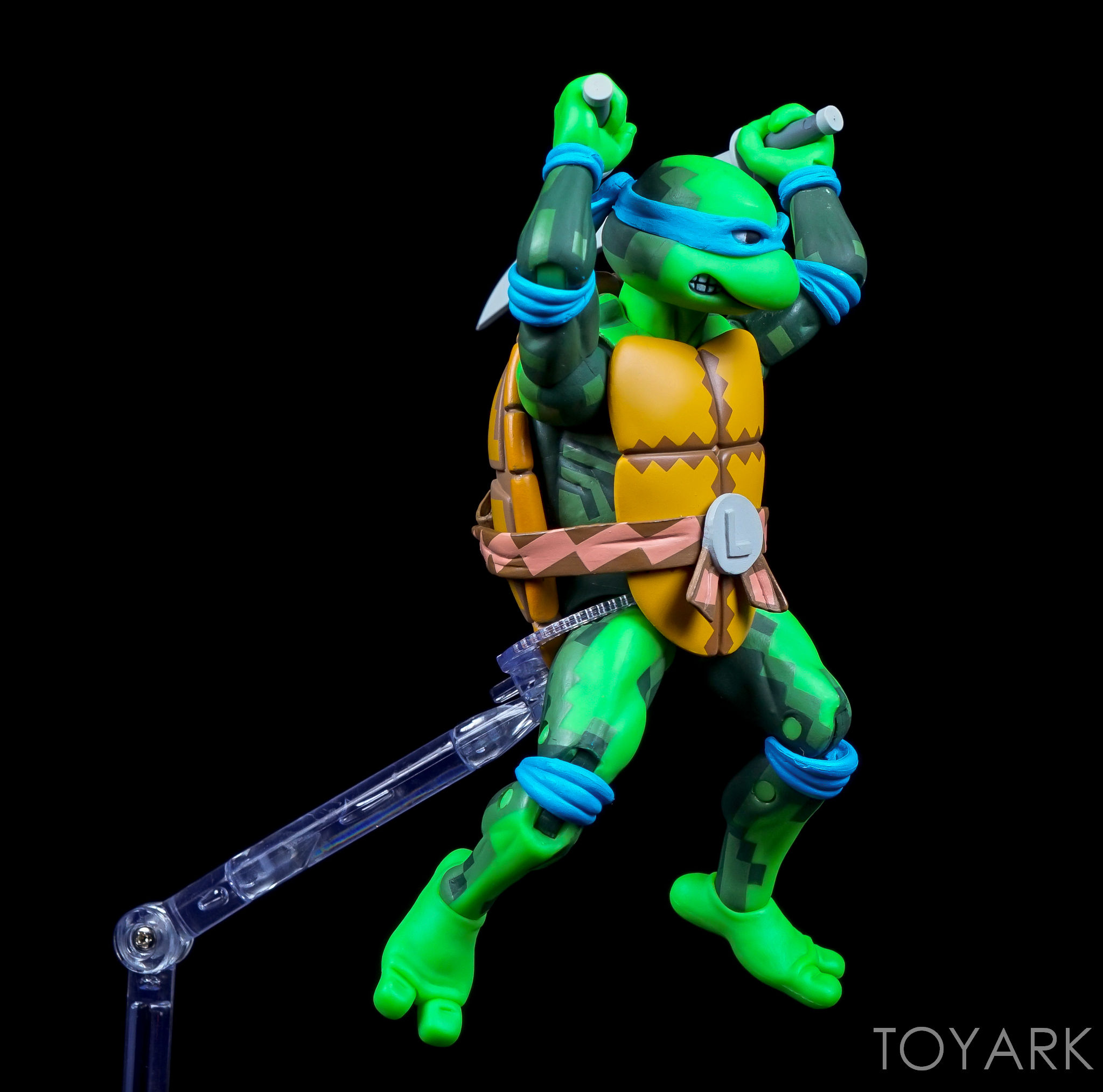 http://news.toyark.com/wp-content/uploads/sites/4/2016/09/Dynamic-Figure-Stand-NECA-025.jpg