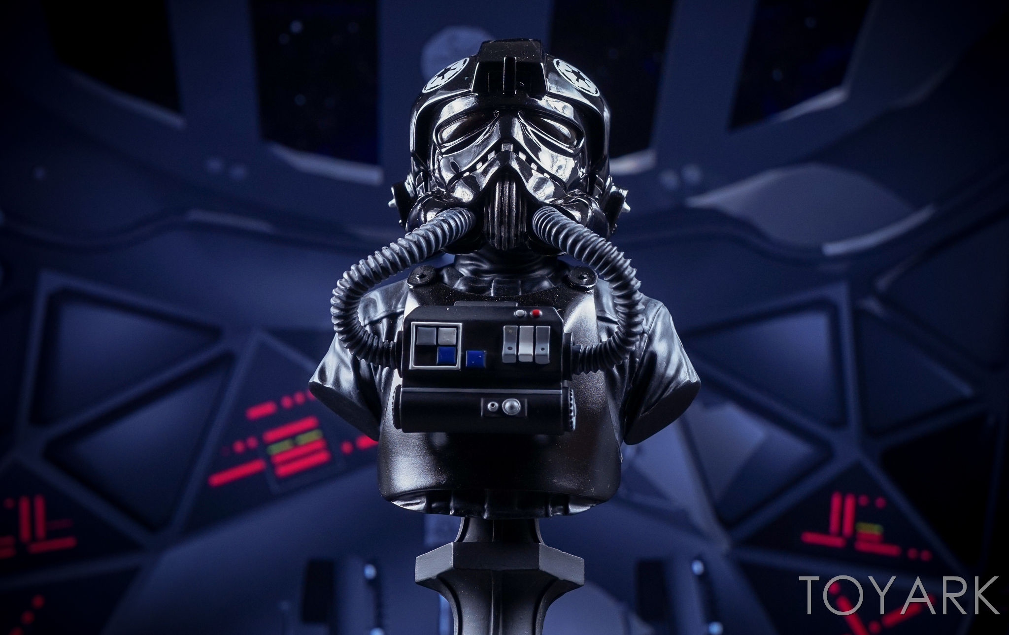 http://news.toyark.com/wp-content/uploads/sites/4/2016/09/GG-Star-Wars-TIE-Fighter-Pilot-Bust-028.jpg