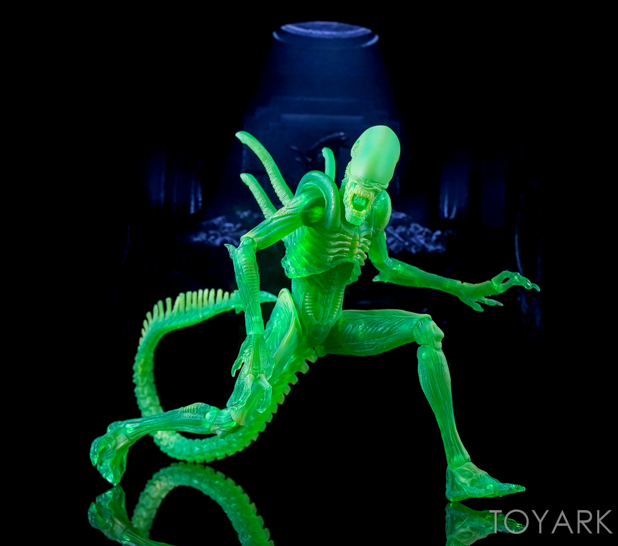 http://news.toyark.com/wp-content/uploads/sites/4/2016/09/NECA-AvP-Thermal-Vision-Alien-034.jpg