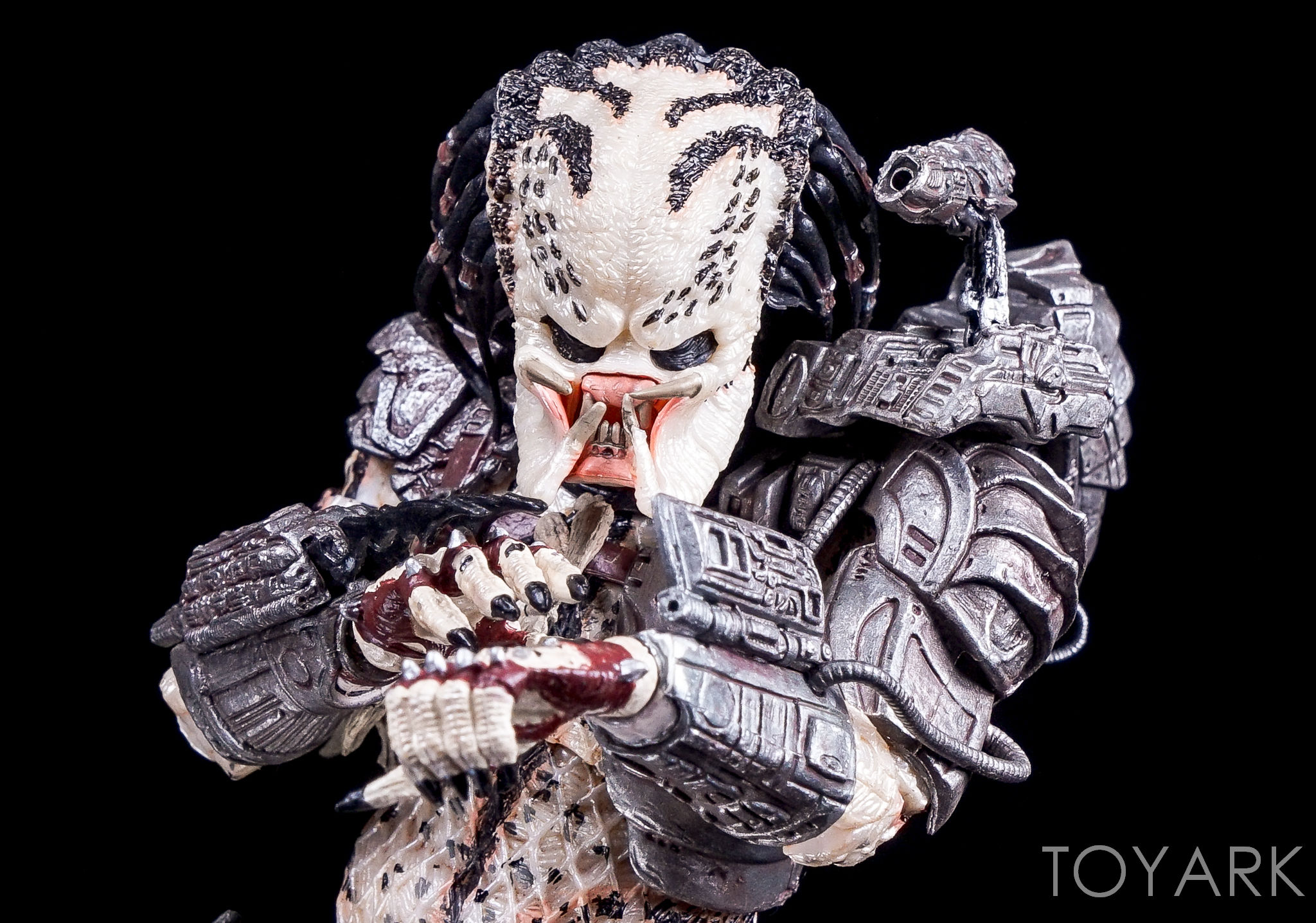 http://news.toyark.com/wp-content/uploads/sites/4/2016/10/Predator-Series-16-NECA-086.jpg