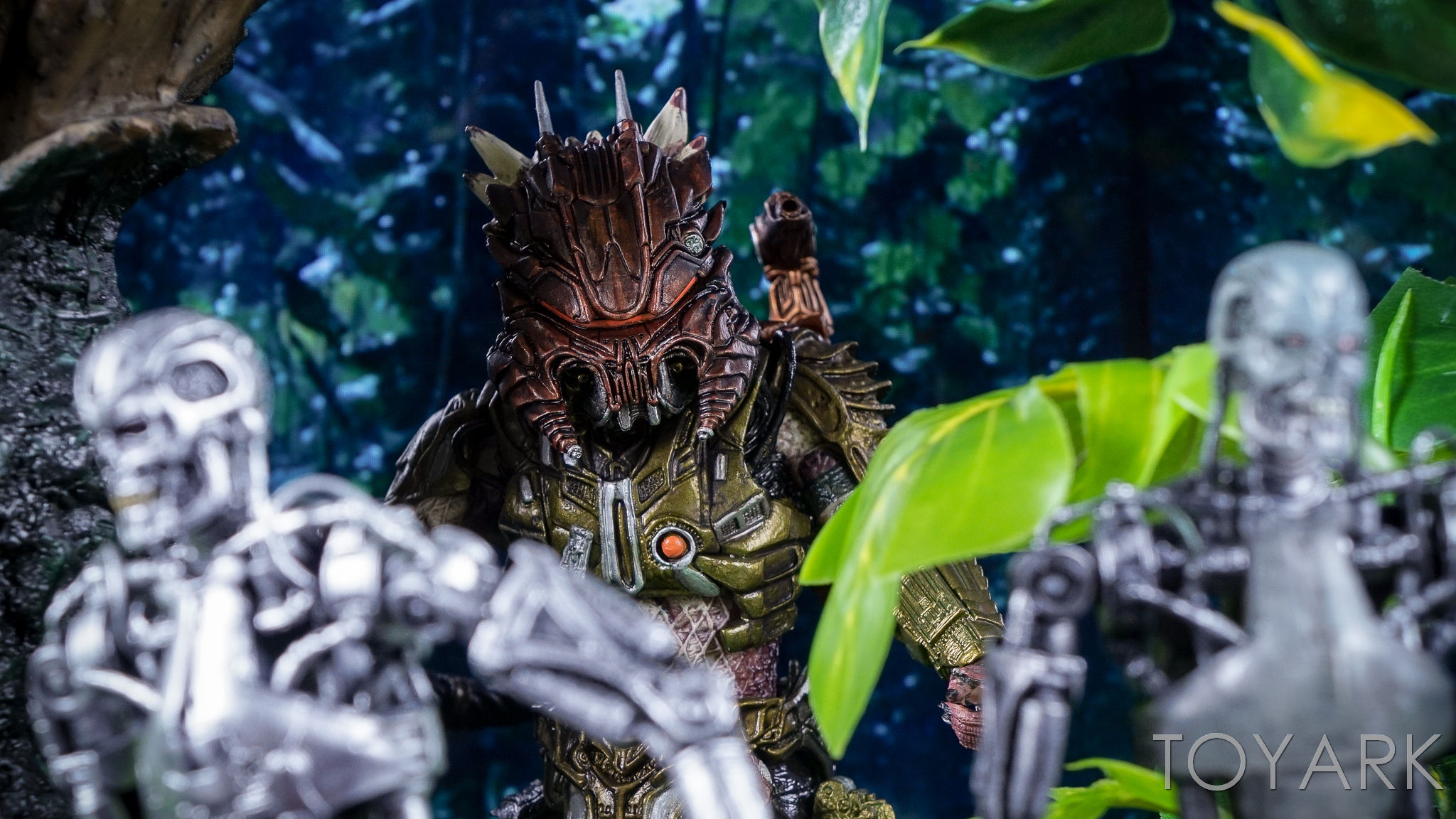 http://news.toyark.com/wp-content/uploads/sites/4/2016/10/Predator-Series-16-NECA-148.jpg