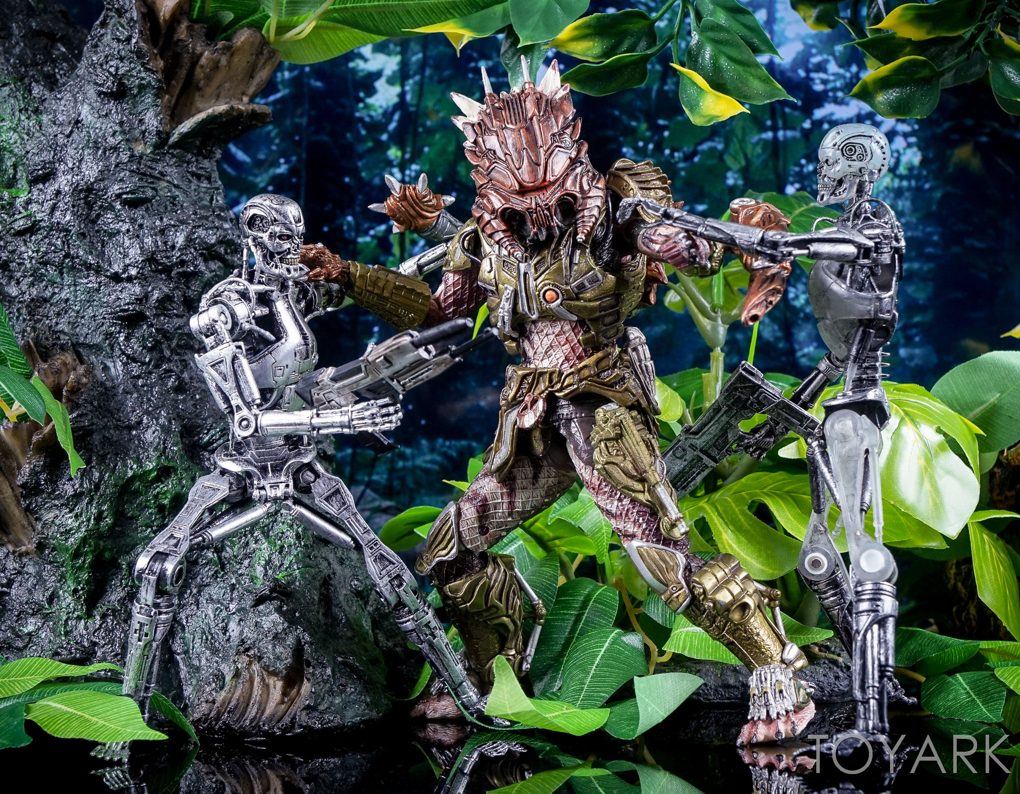 http://news.toyark.com/wp-content/uploads/sites/4/2016/10/Predator-Series-16-NECA-150.jpg