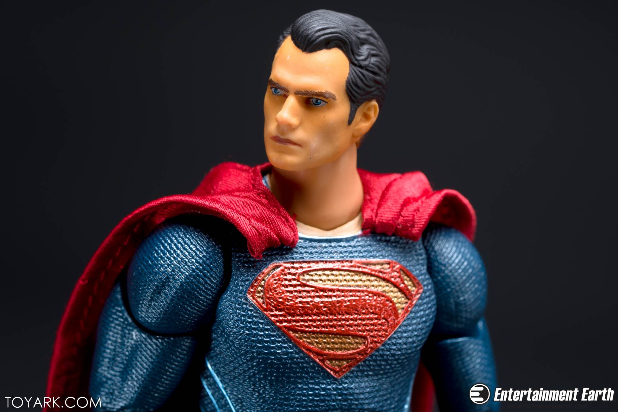 Mafex BVS Superman 17