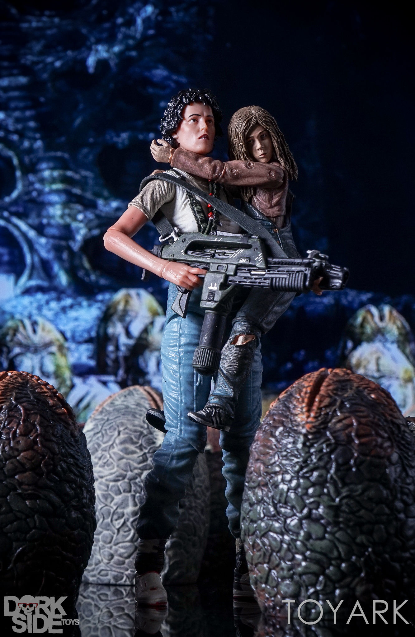 http://news.toyark.com/wp-content/uploads/sites/4/2016/12/Aliens-NECA-Ripley-and-Newt-Set-008.jpg