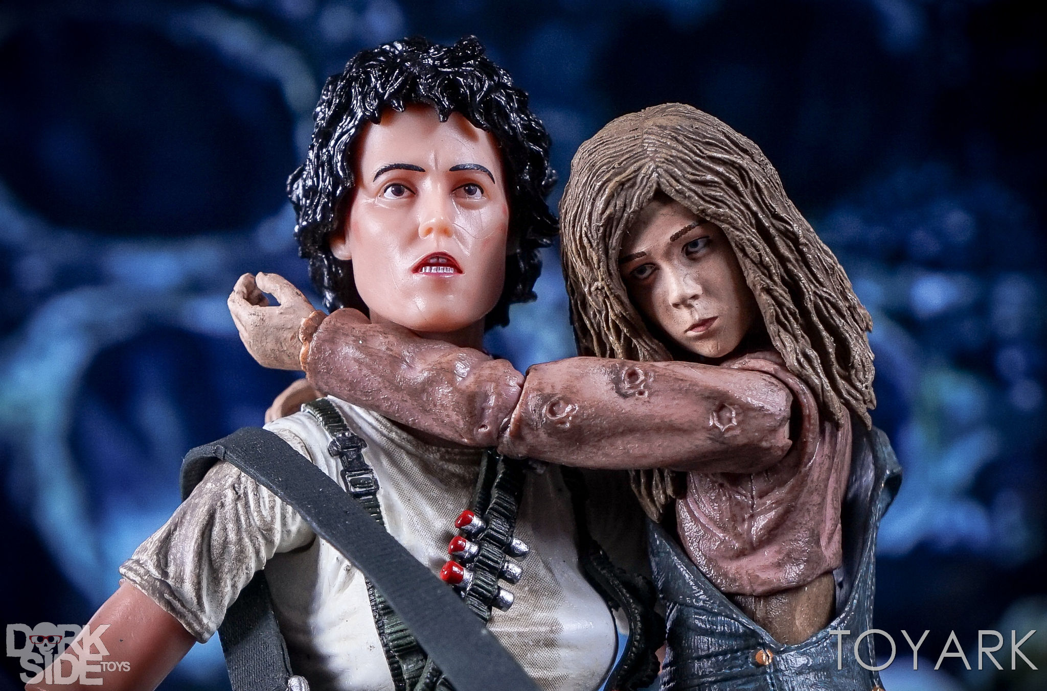 http://news.toyark.com/wp-content/uploads/sites/4/2016/12/Aliens-NECA-Ripley-and-Newt-Set-011.jpg