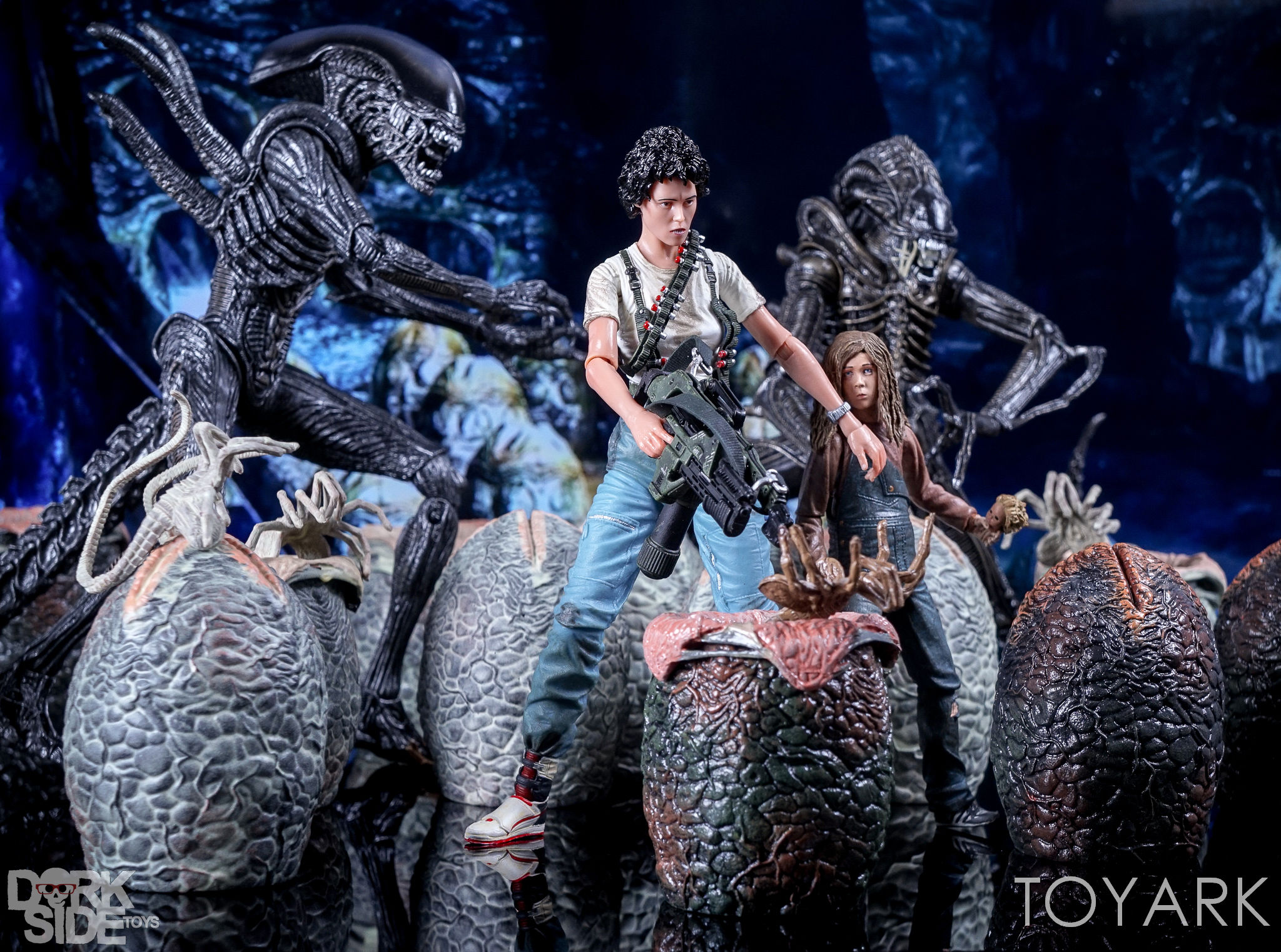 http://news.toyark.com/wp-content/uploads/sites/4/2016/12/Aliens-NECA-Ripley-and-Newt-Set-028.jpg