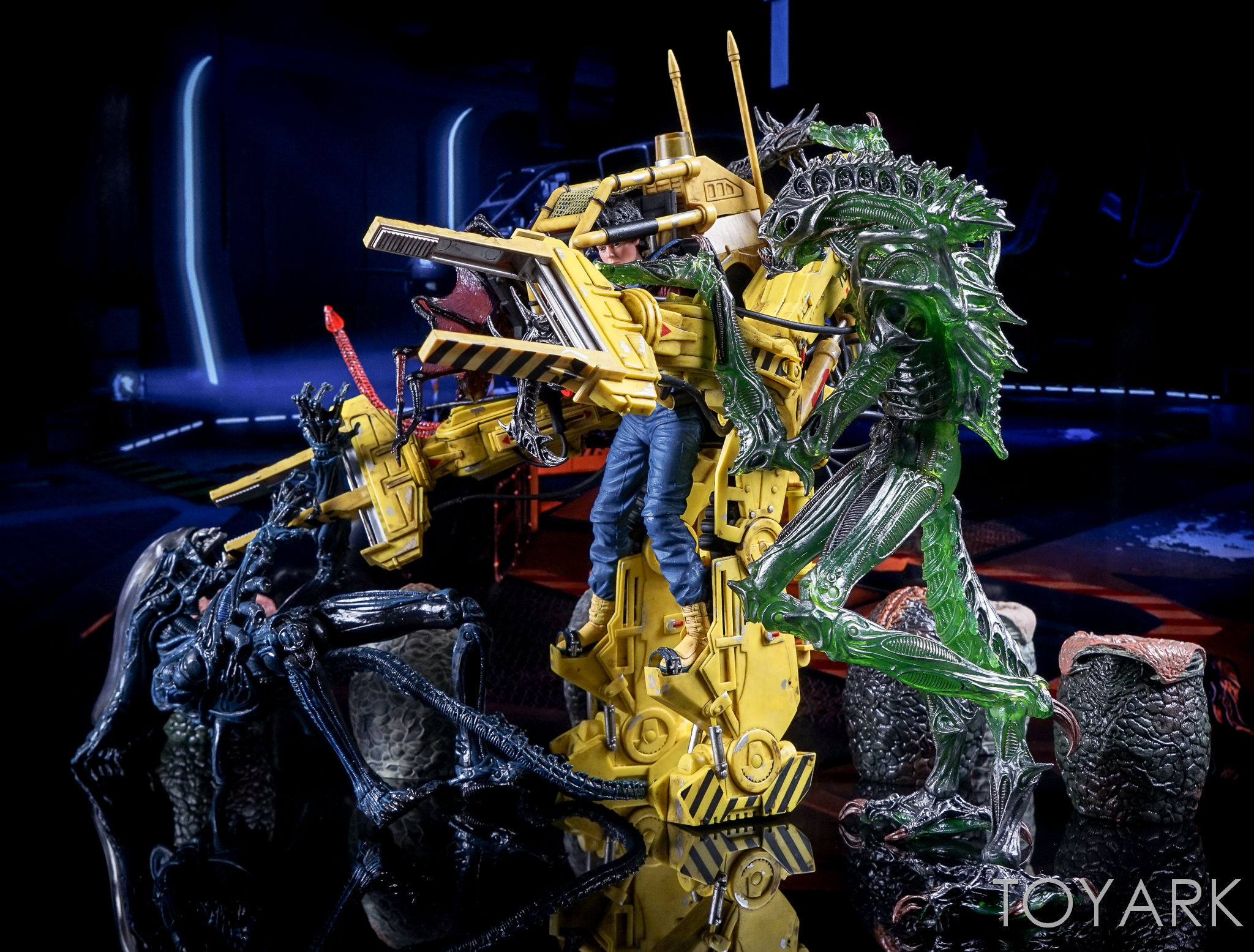 http://news.toyark.com/wp-content/uploads/sites/4/2016/12/Aliens-Series-10-by-NECA-102.jpg