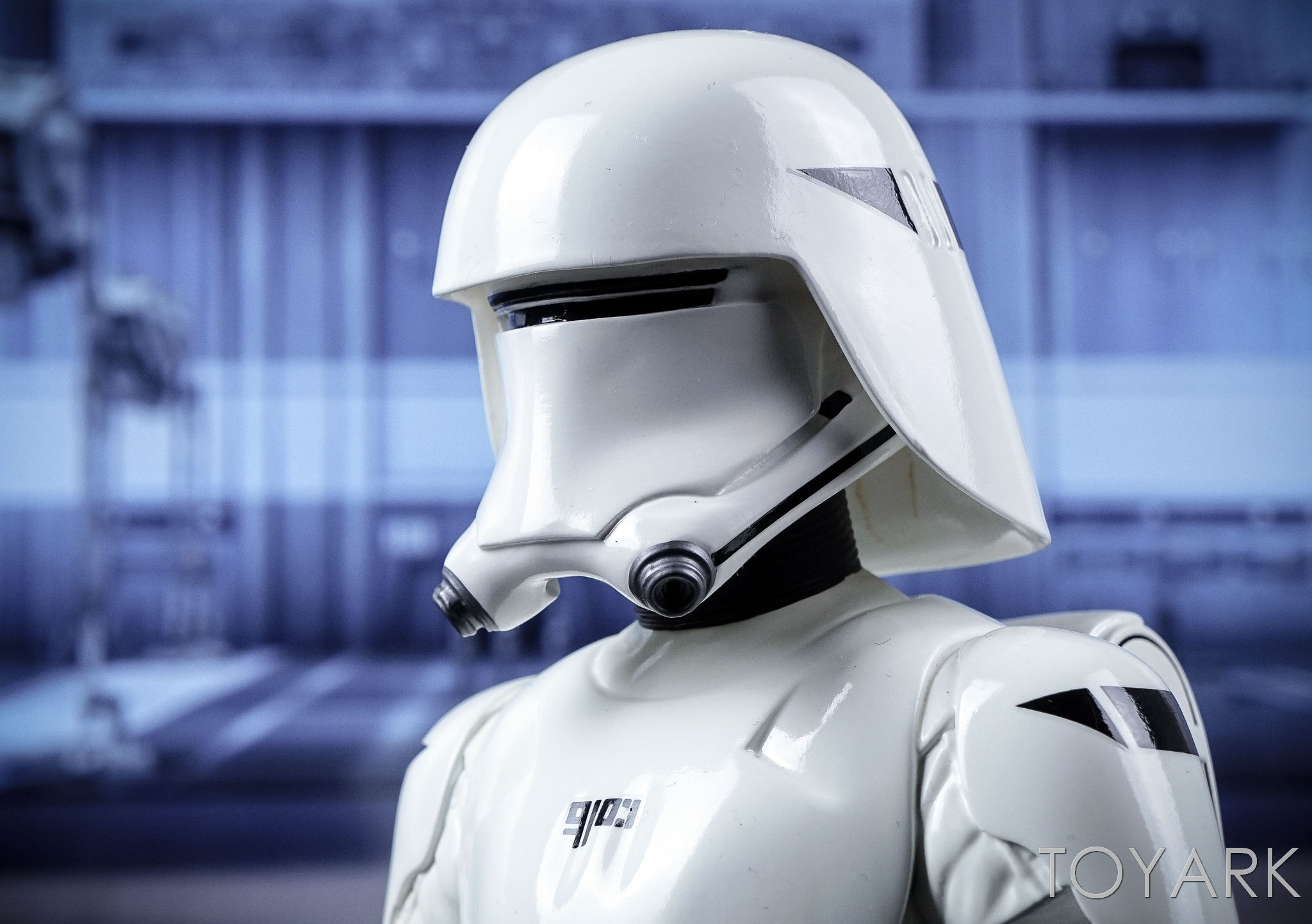 http://news.toyark.com/wp-content/uploads/sites/4/2016/12/Force-Awakens-Snowtrooper-Classic-Bust-031.jpg