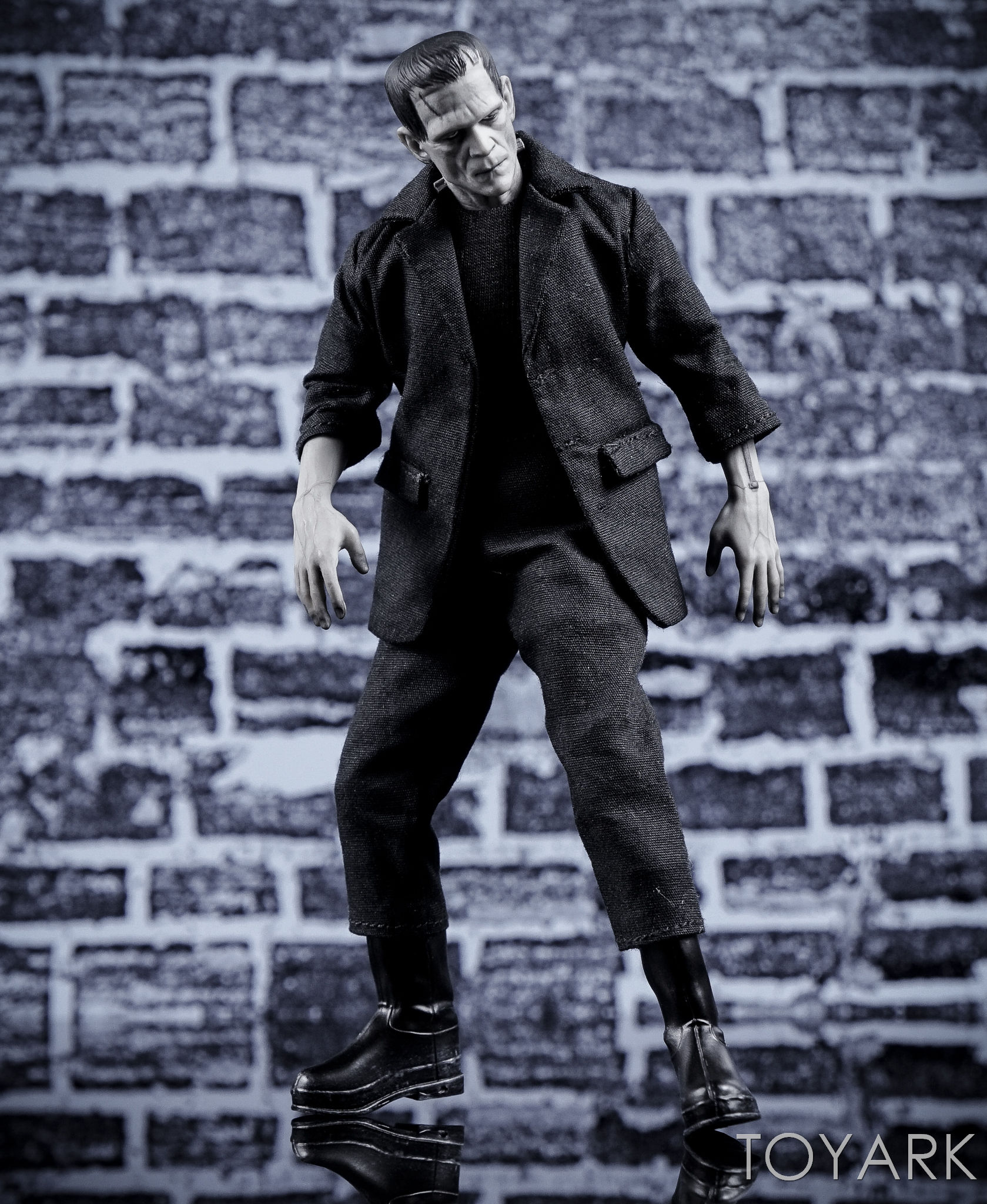 http://news.toyark.com/wp-content/uploads/sites/4/2016/12/Mezco-One12-Collective-Frankenstein-Figure-037.jpg