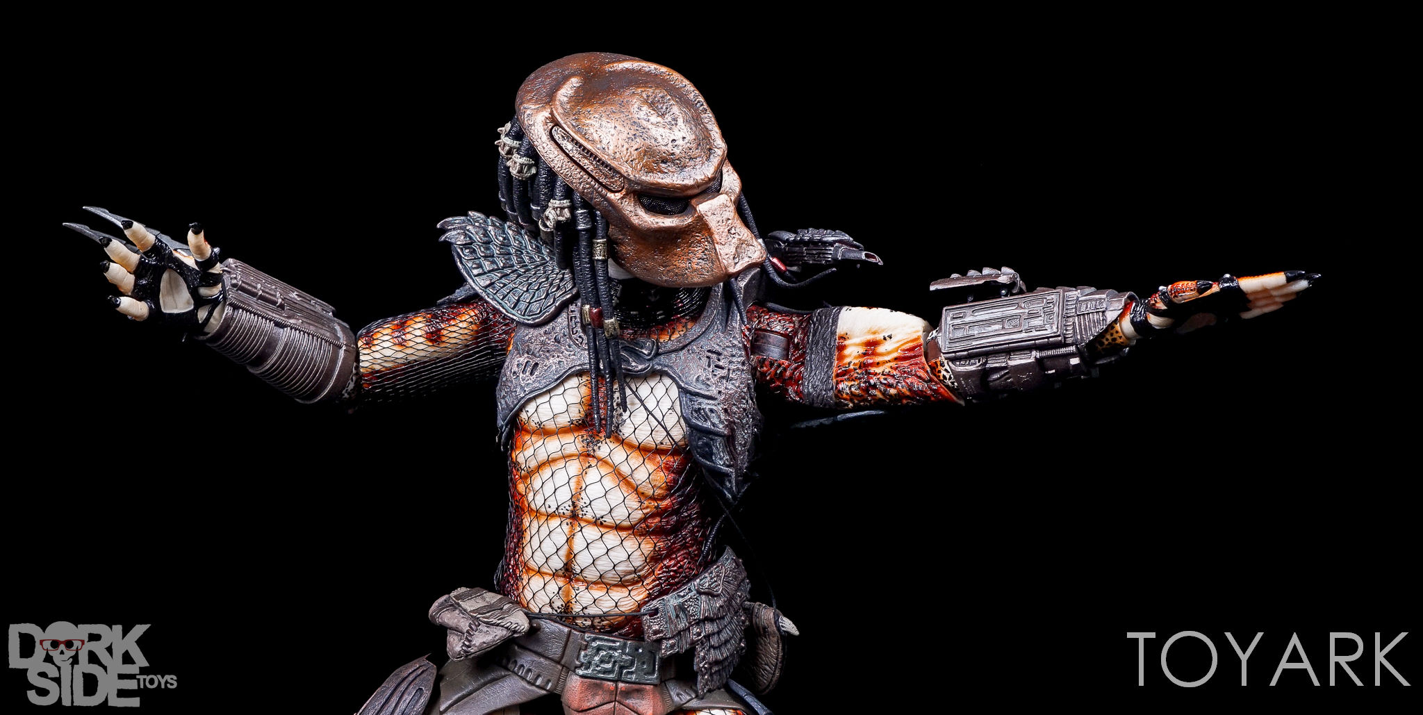 http://news.toyark.com/wp-content/uploads/sites/4/2016/12/NECA-20-Inch-City-Hunter-Predator-049.jpg