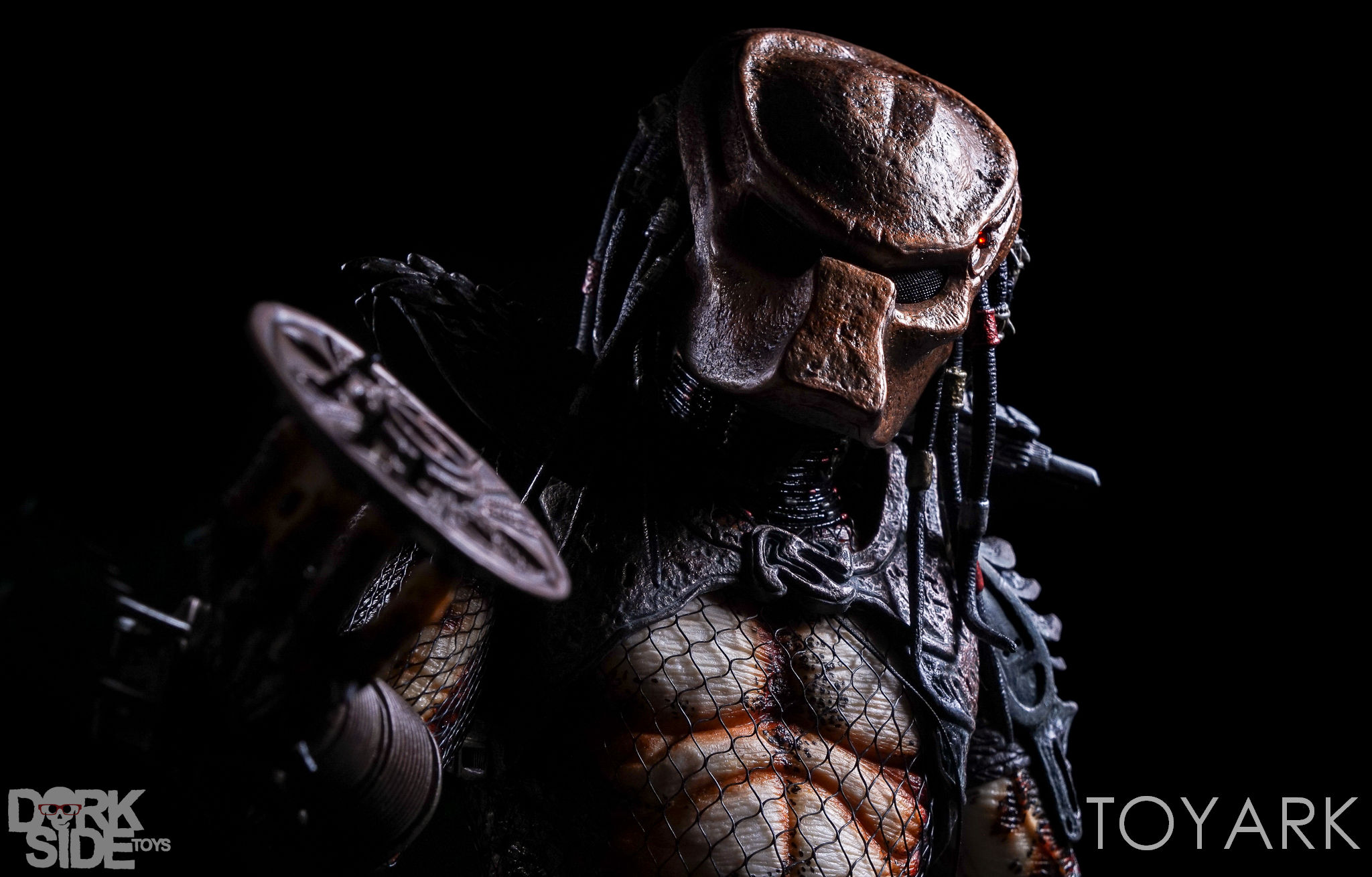 http://news.toyark.com/wp-content/uploads/sites/4/2016/12/NECA-20-Inch-City-Hunter-Predator-057.jpg