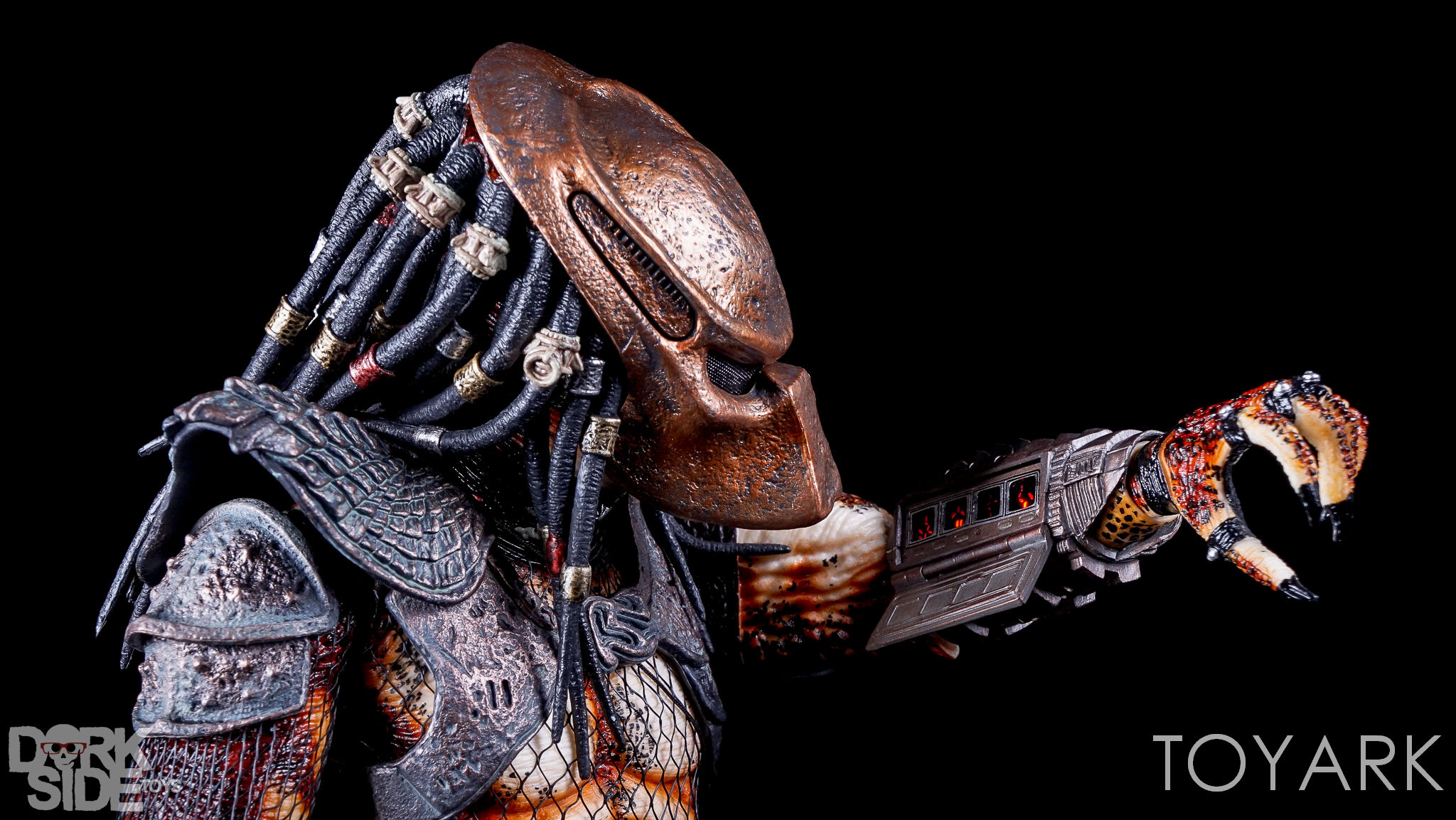http://news.toyark.com/wp-content/uploads/sites/4/2016/12/NECA-20-Inch-City-Hunter-Predator-059.jpg