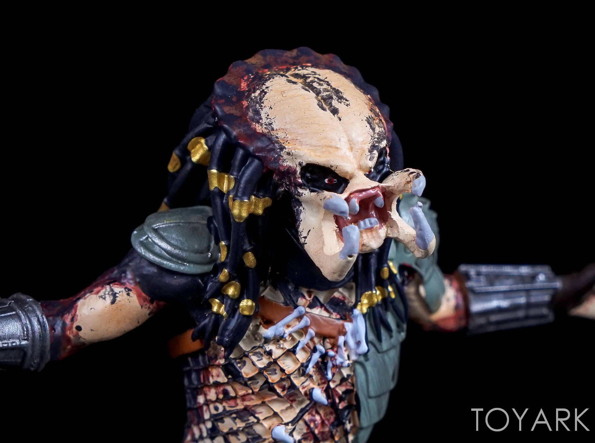 http://news.toyark.com/wp-content/uploads/sites/4/2017/02/Eaglemoss-Aliens-and-Predator-Statues-069.jpg