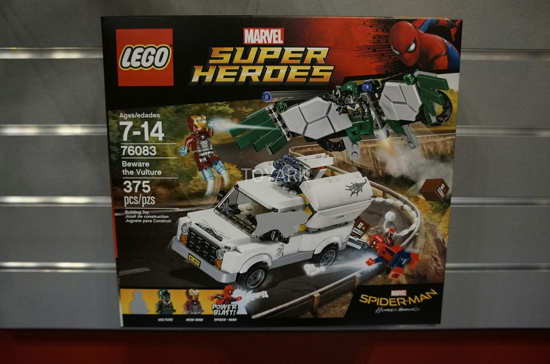 Toy Fair 2017 - Lego Marvel Universe Display - The Toyark ...