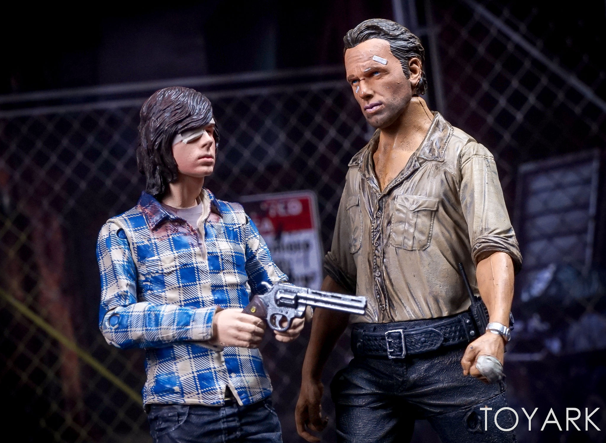 http://news.toyark.com/wp-content/uploads/sites/4/2017/03/McFarlane-Color-Tops-Walking-Dead-Carl-Grimes-039.jpg