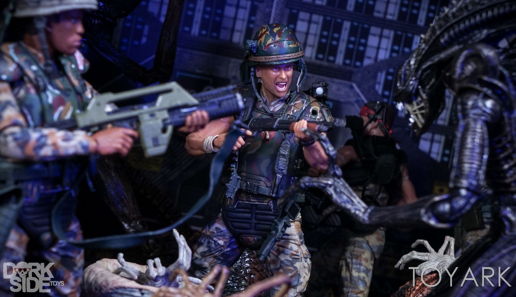 http://news.toyark.com/wp-content/uploads/sites/4/2017/03/NECA-Aliens-Colonial-Marines-2-Pack-037.jpg