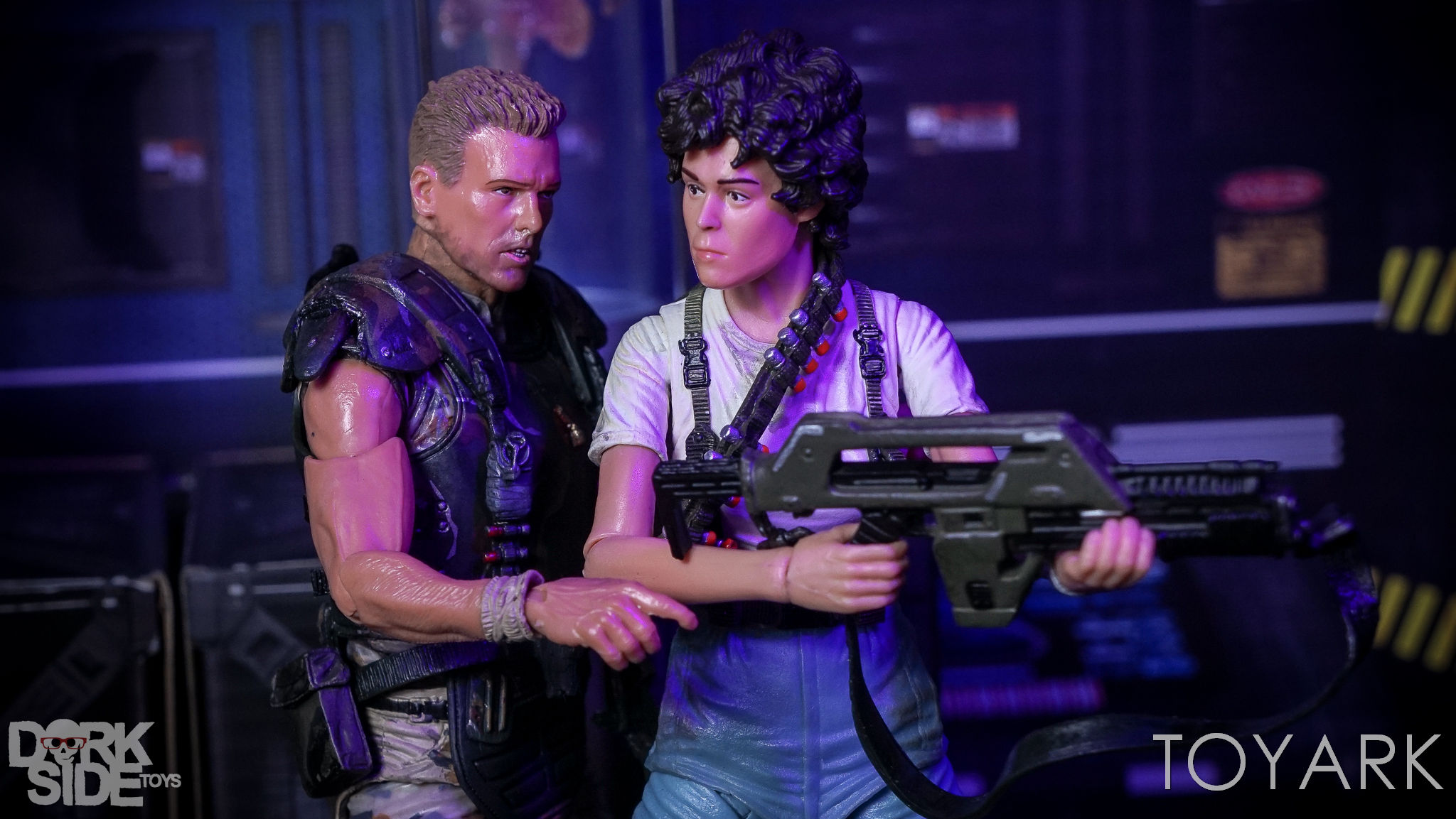 http://news.toyark.com/wp-content/uploads/sites/4/2017/03/NECA-Aliens-Colonial-Marines-2-Pack-040.jpg