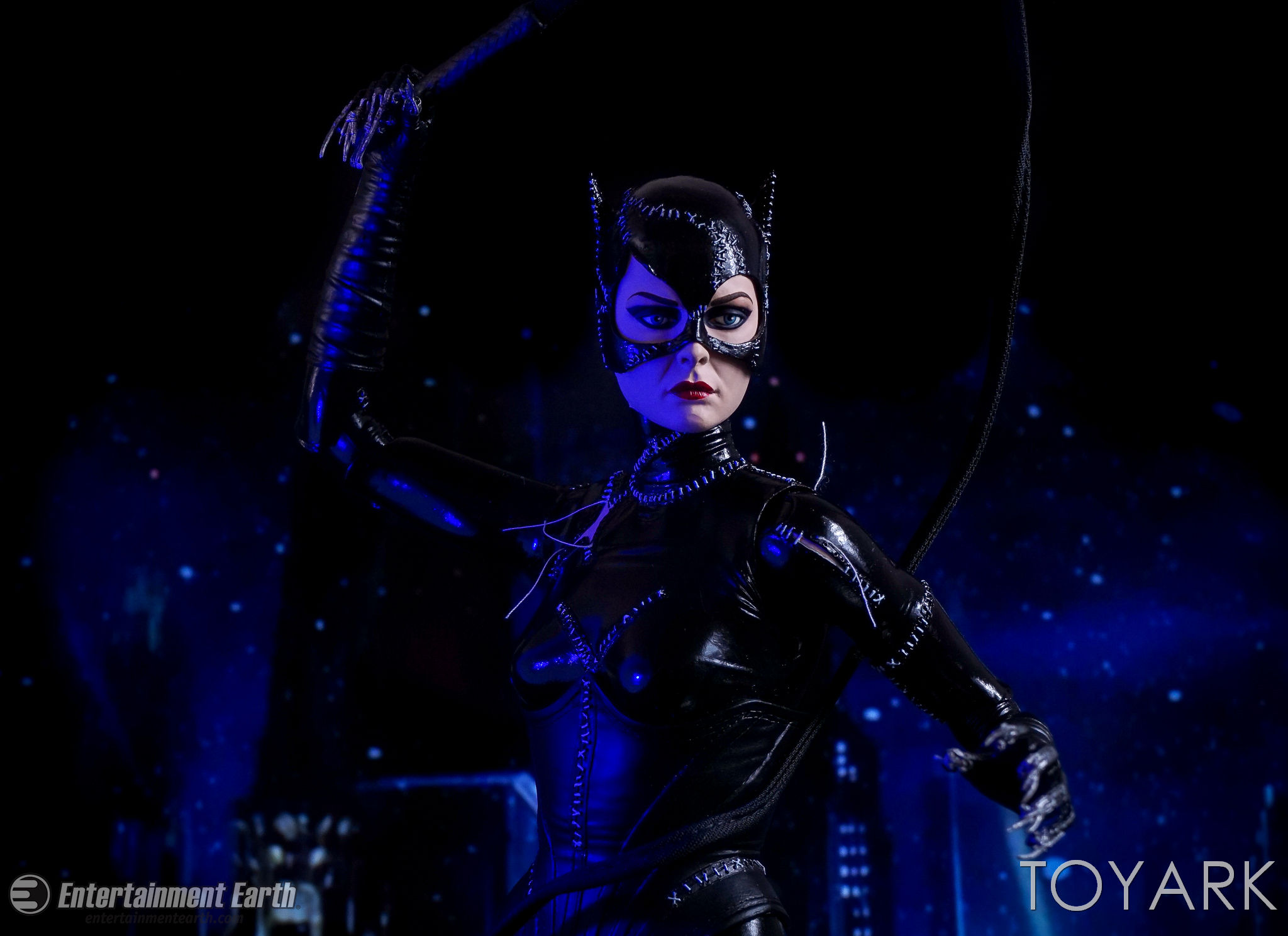 http://news.toyark.com/wp-content/uploads/sites/4/2017/03/NECA-Batman-Returns-Catwoman-021.jpg