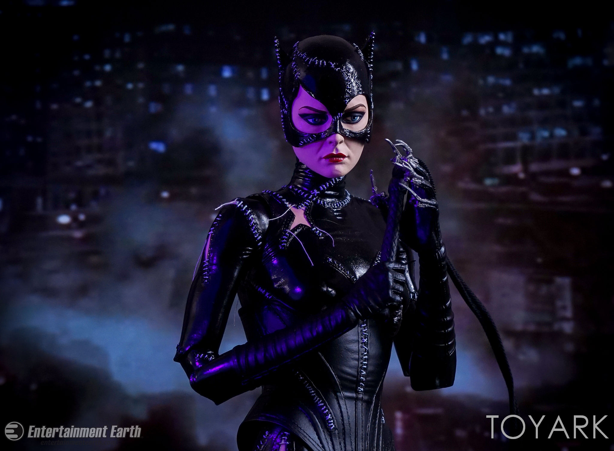 http://news.toyark.com/wp-content/uploads/sites/4/2017/03/NECA-Batman-Returns-Catwoman-022.jpg