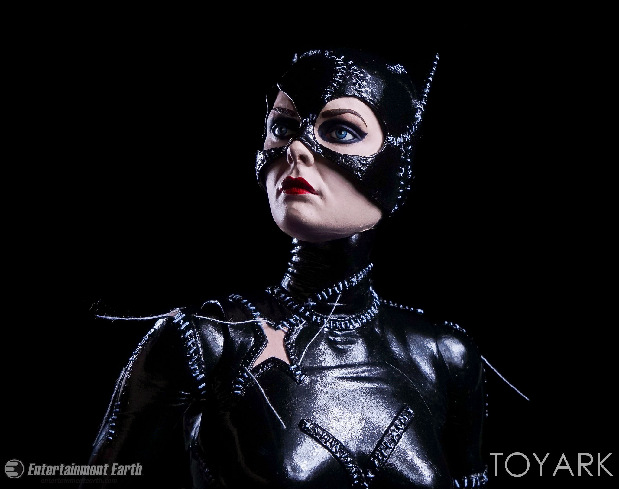 http://news.toyark.com/wp-content/uploads/sites/4/2017/03/NECA-Batman-Returns-Catwoman-046.jpg