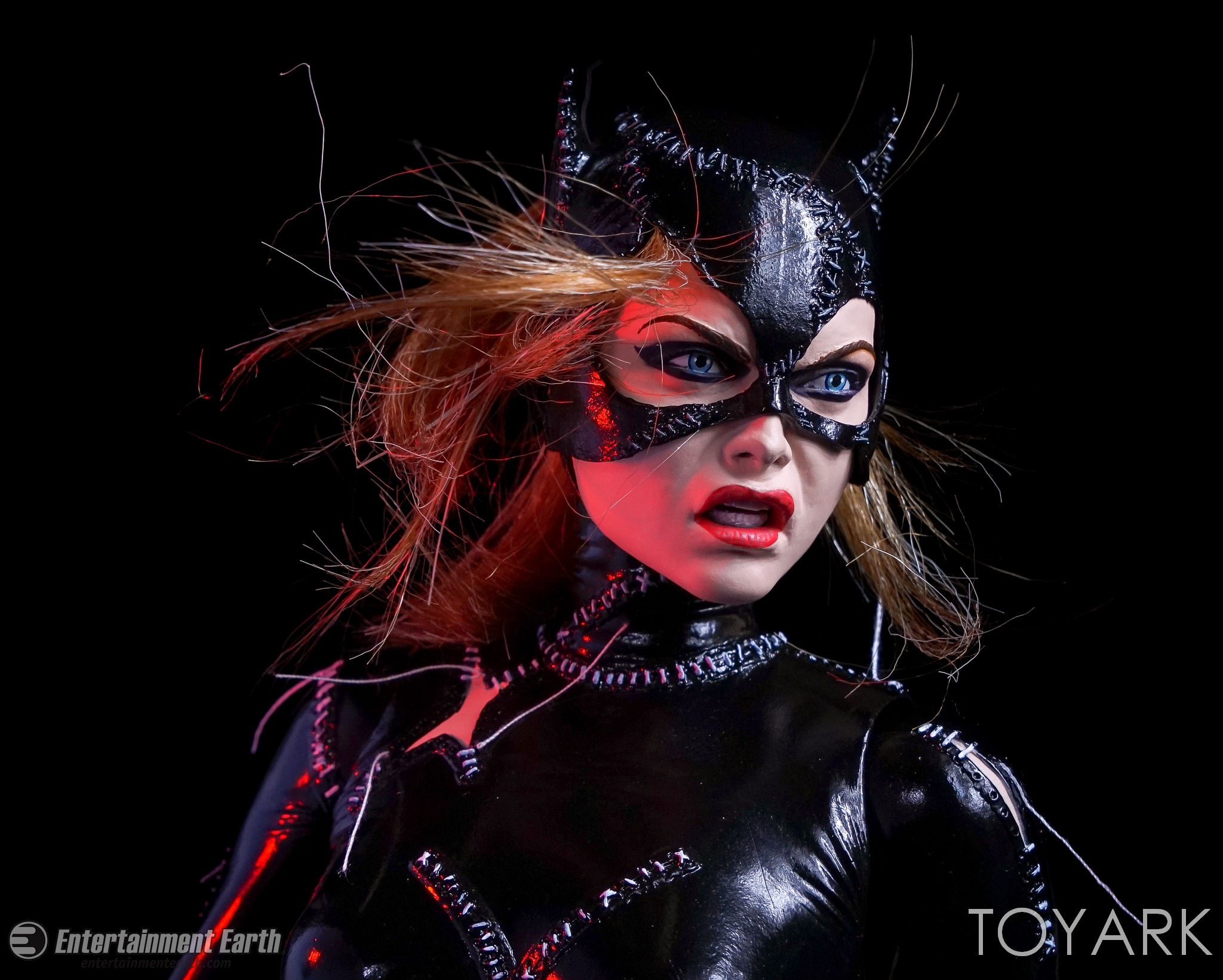 http://news.toyark.com/wp-content/uploads/sites/4/2017/03/NECA-Batman-Returns-Catwoman-047.jpg
