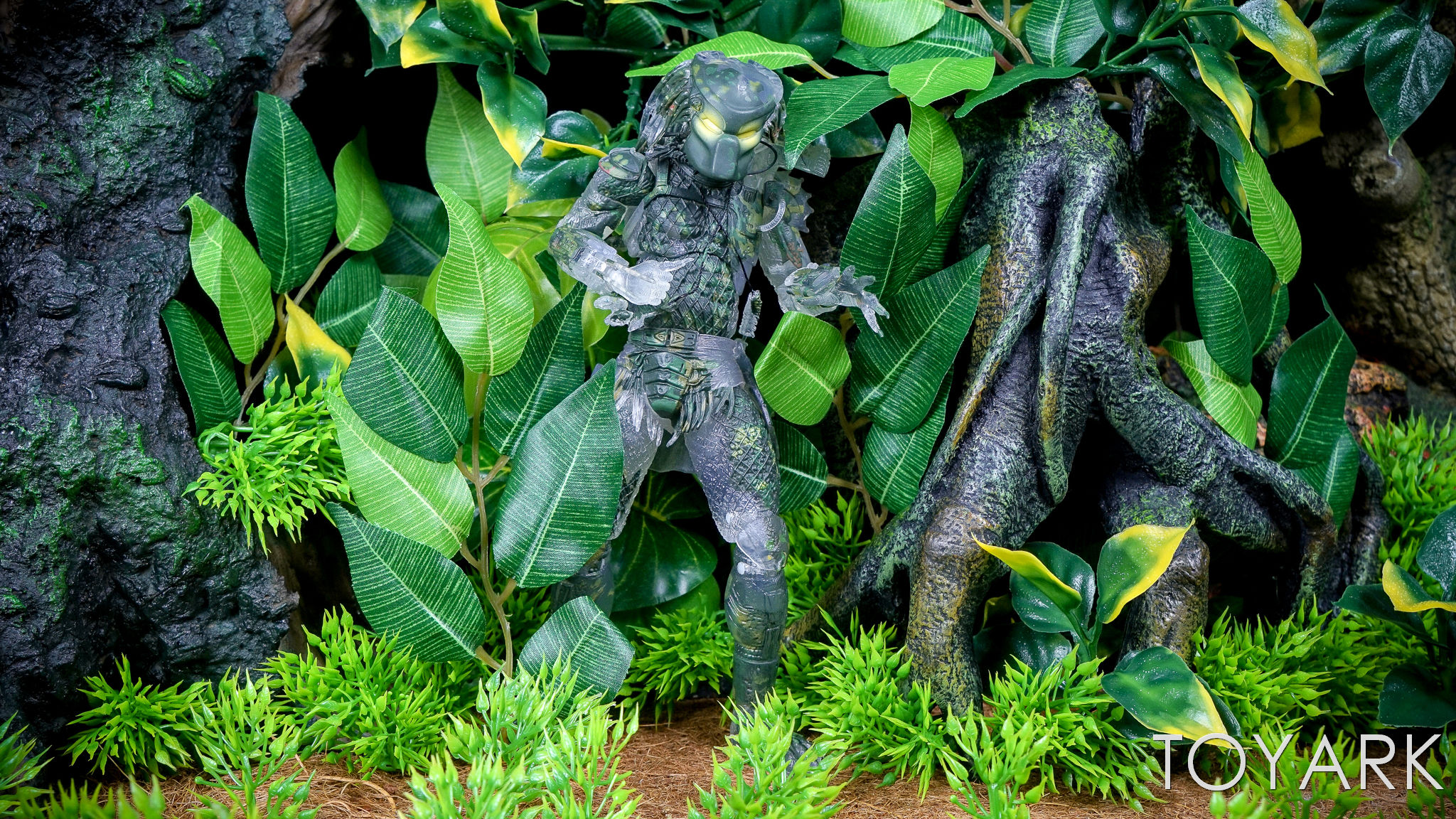 http://news.toyark.com/wp-content/uploads/sites/4/2017/03/NECA-Jungle-Demon-Predator-023.jpg
