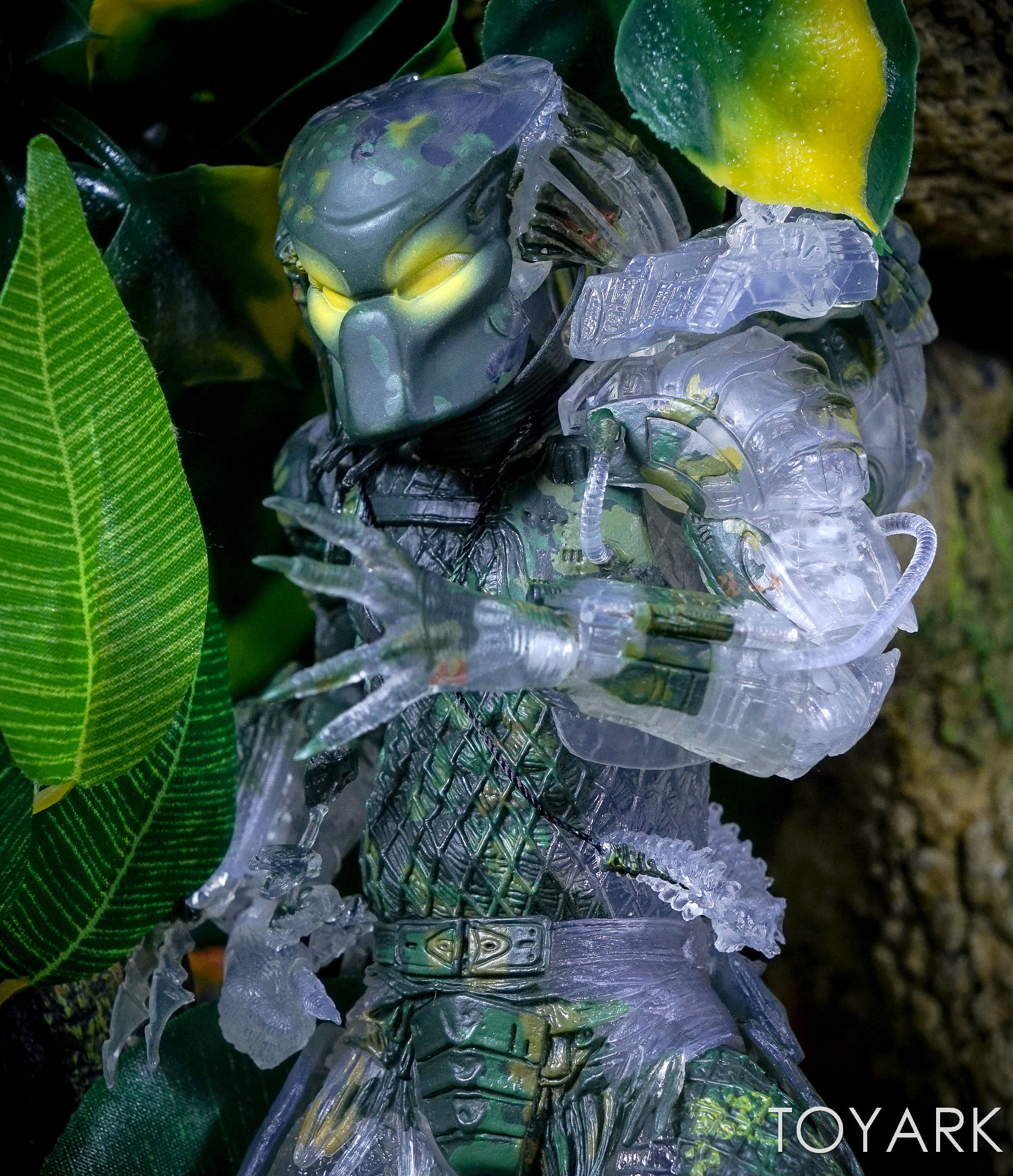 http://news.toyark.com/wp-content/uploads/sites/4/2017/03/NECA-Jungle-Demon-Predator-025.jpg