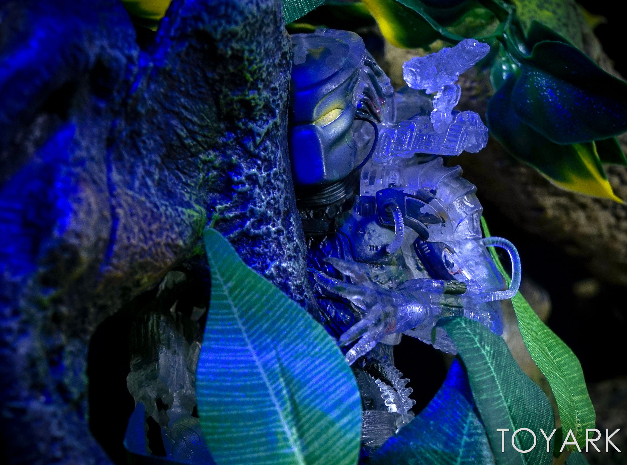 http://news.toyark.com/wp-content/uploads/sites/4/2017/03/NECA-Jungle-Demon-Predator-026.jpg