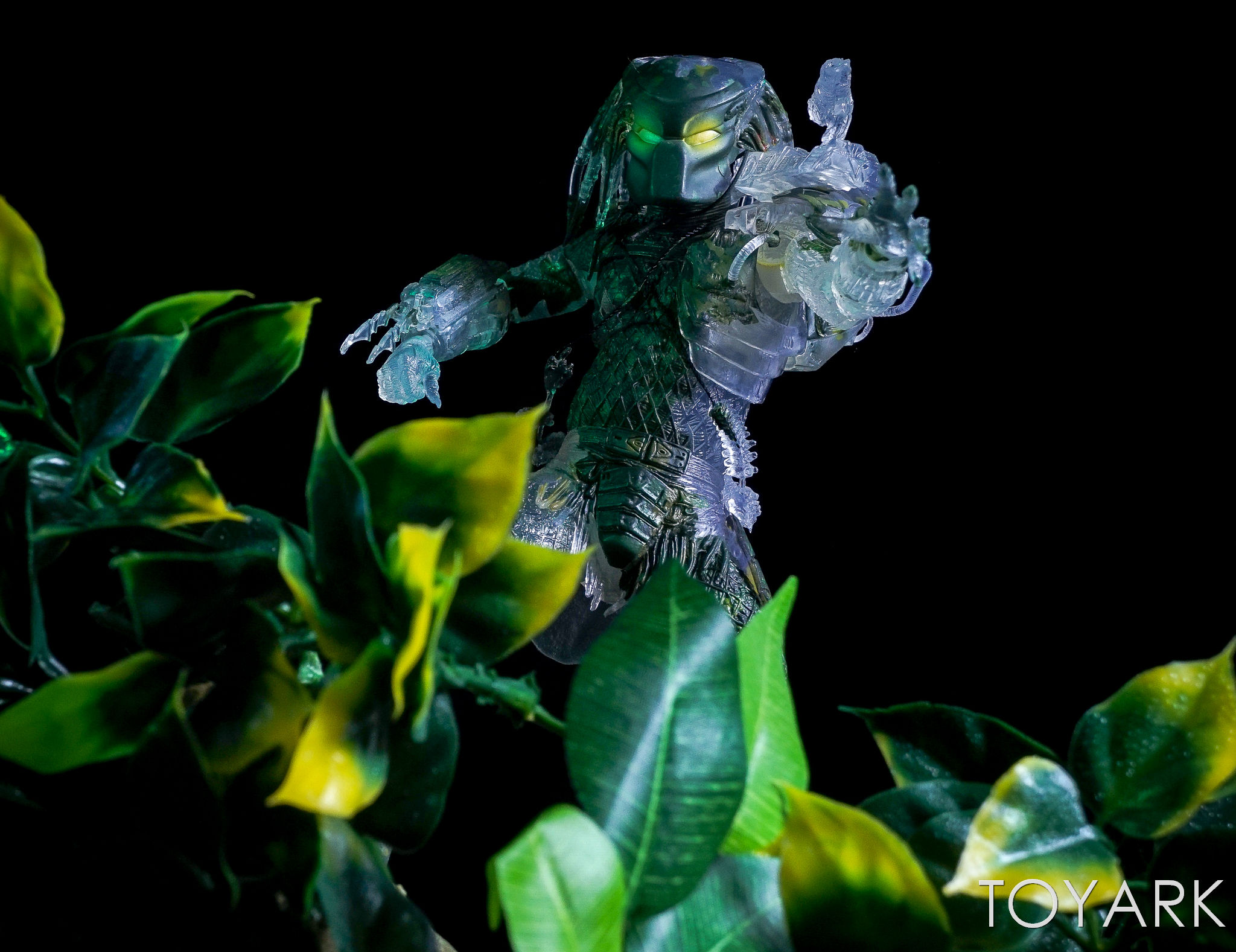 http://news.toyark.com/wp-content/uploads/sites/4/2017/03/NECA-Jungle-Demon-Predator-030.jpg