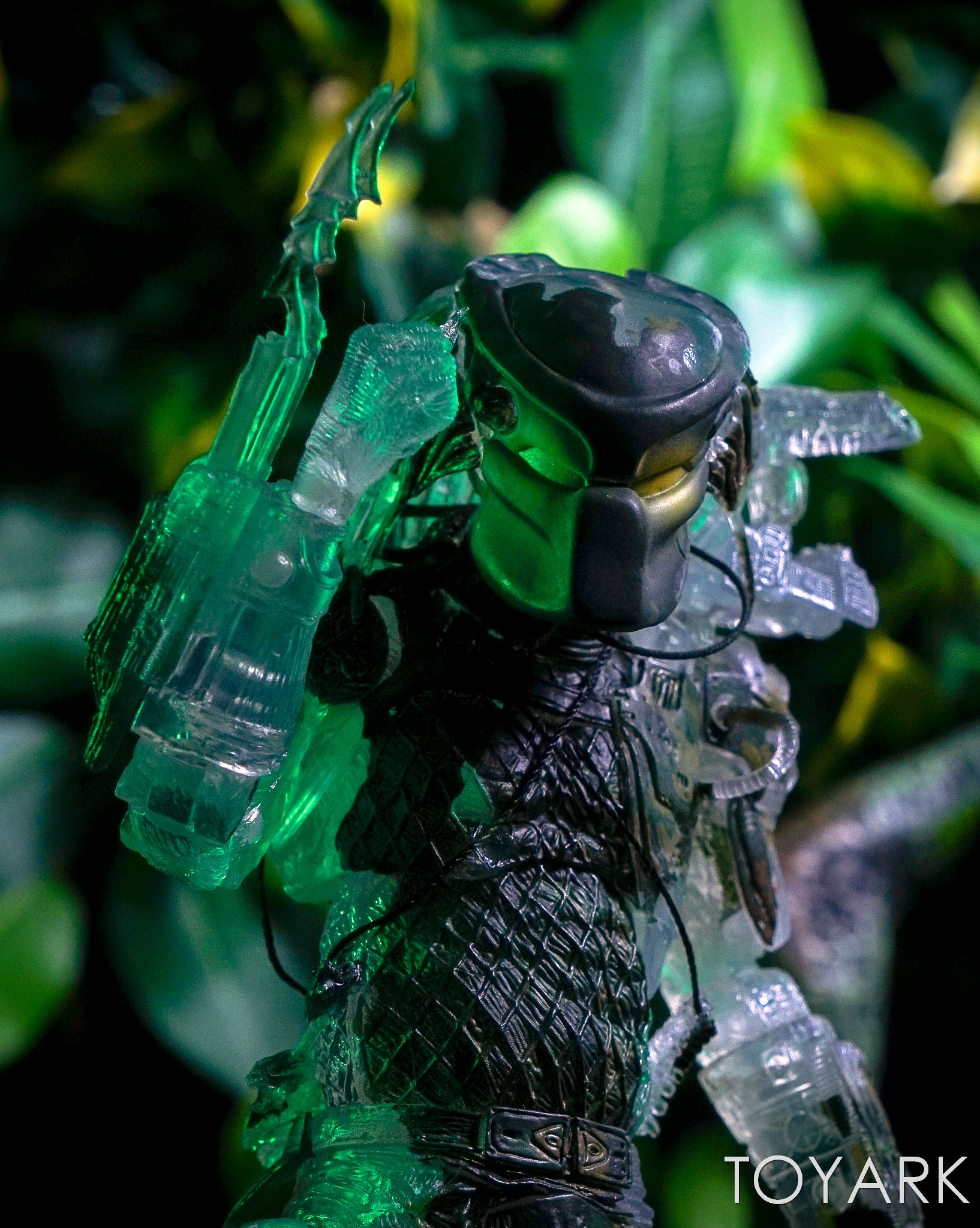 http://news.toyark.com/wp-content/uploads/sites/4/2017/03/NECA-Jungle-Demon-Predator-031.jpg