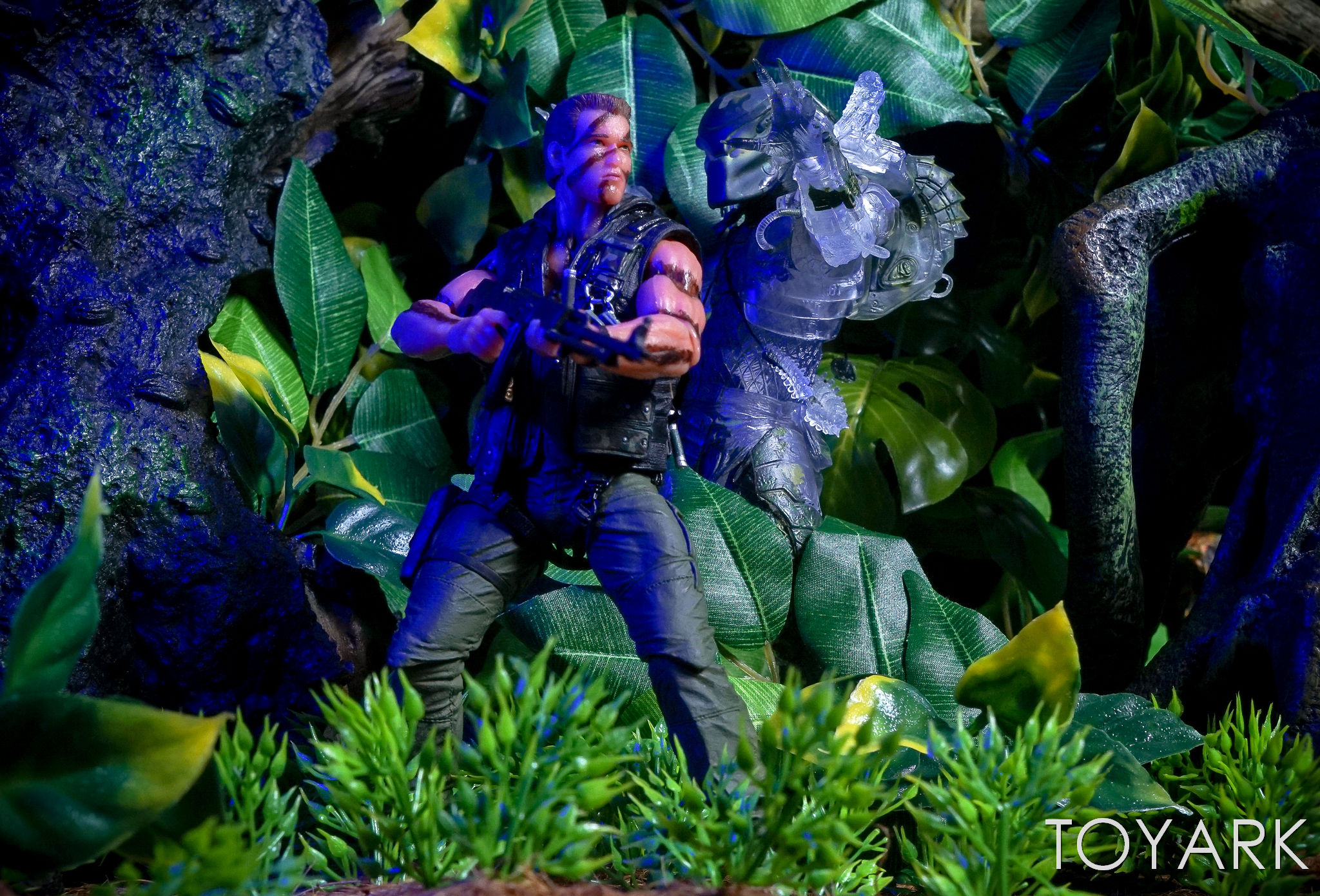 http://news.toyark.com/wp-content/uploads/sites/4/2017/03/NECA-Jungle-Demon-Predator-035.jpg