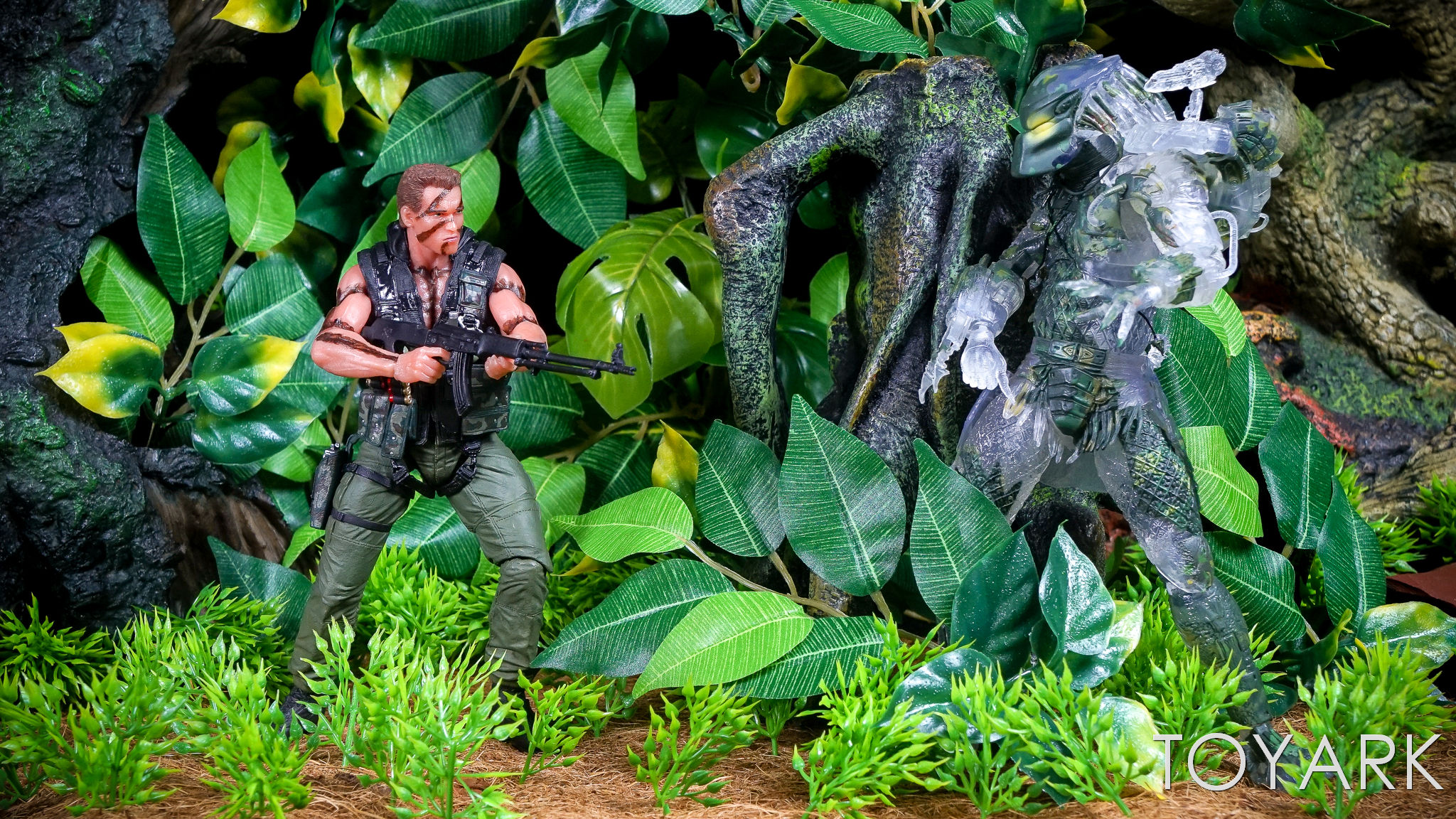 http://news.toyark.com/wp-content/uploads/sites/4/2017/03/NECA-Jungle-Demon-Predator-041.jpg