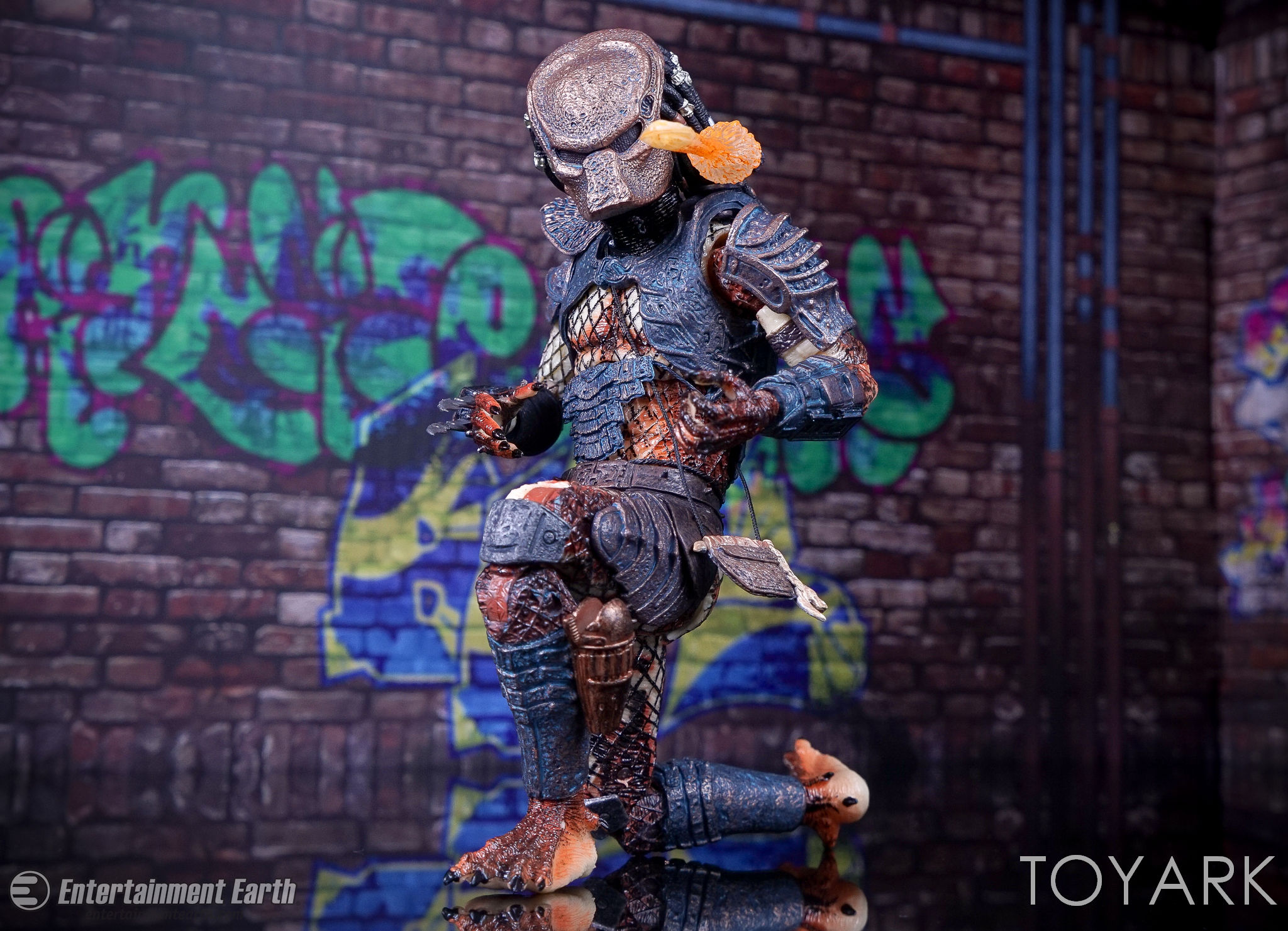 http://news.toyark.com/wp-content/uploads/sites/4/2017/03/NECA-Ultimate-City-Hunter-Predator-029.jpg