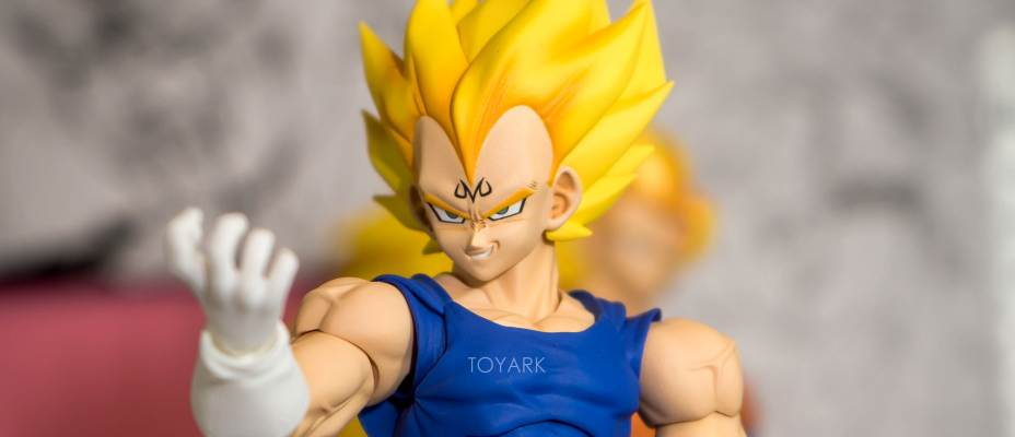 Dragonball Z S.H. Figuarts - Tamashii Nations World Tour Closer Look