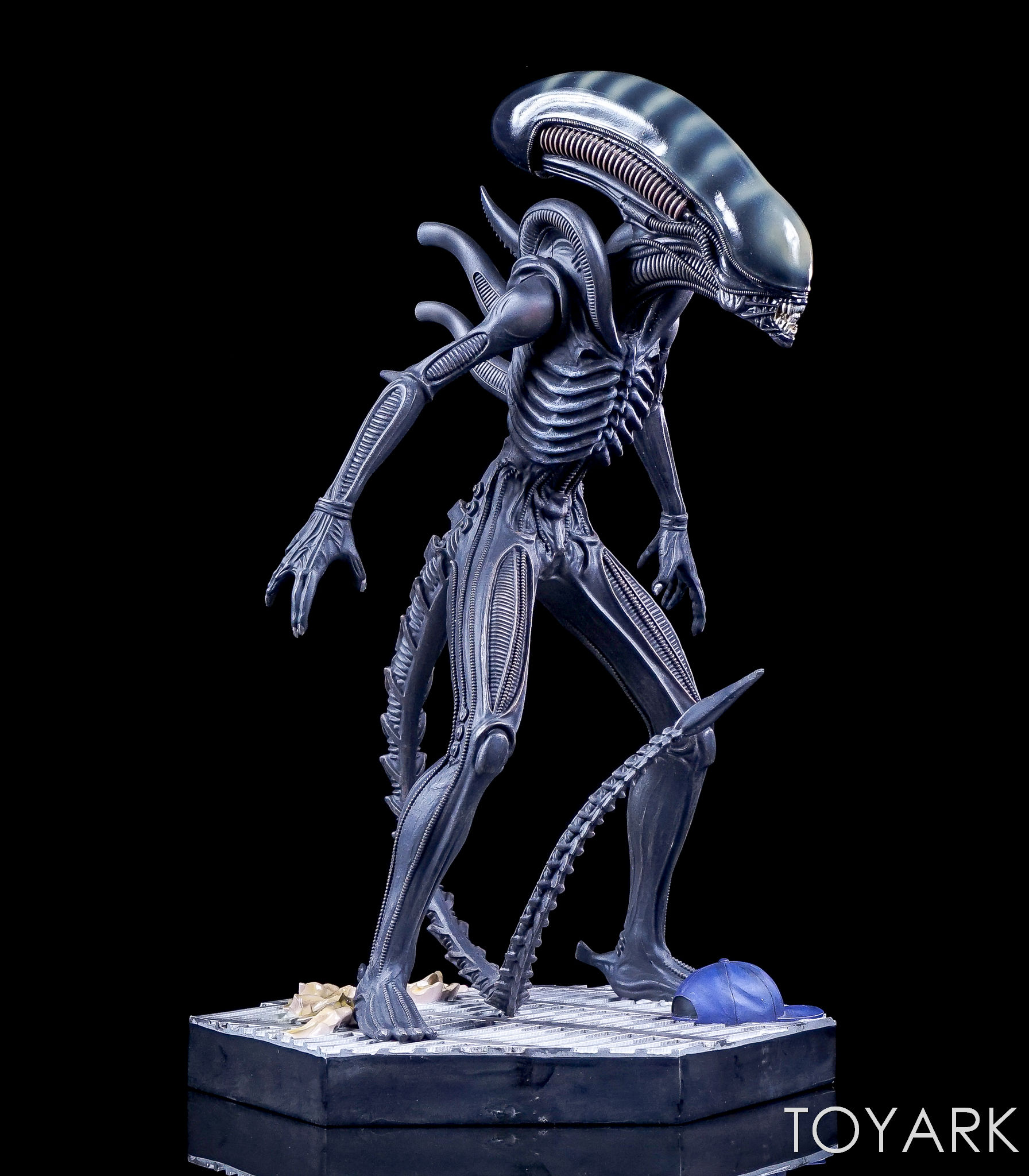 http://news.toyark.com/wp-content/uploads/sites/4/2017/05/Hero-Collector-Mega-Alien-Statue-010.jpg
