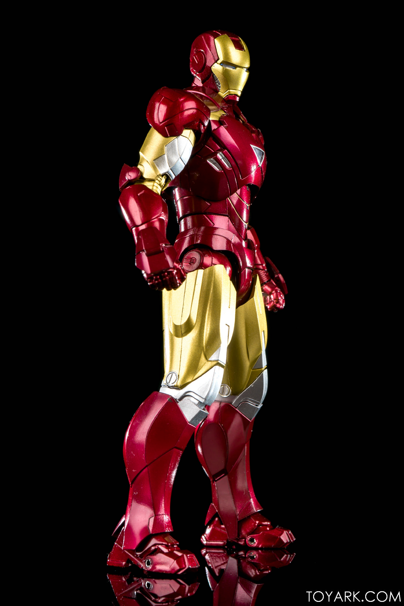 S.H. Figuarts Iron Man Mk 6 With Hall of Armor Photo ...