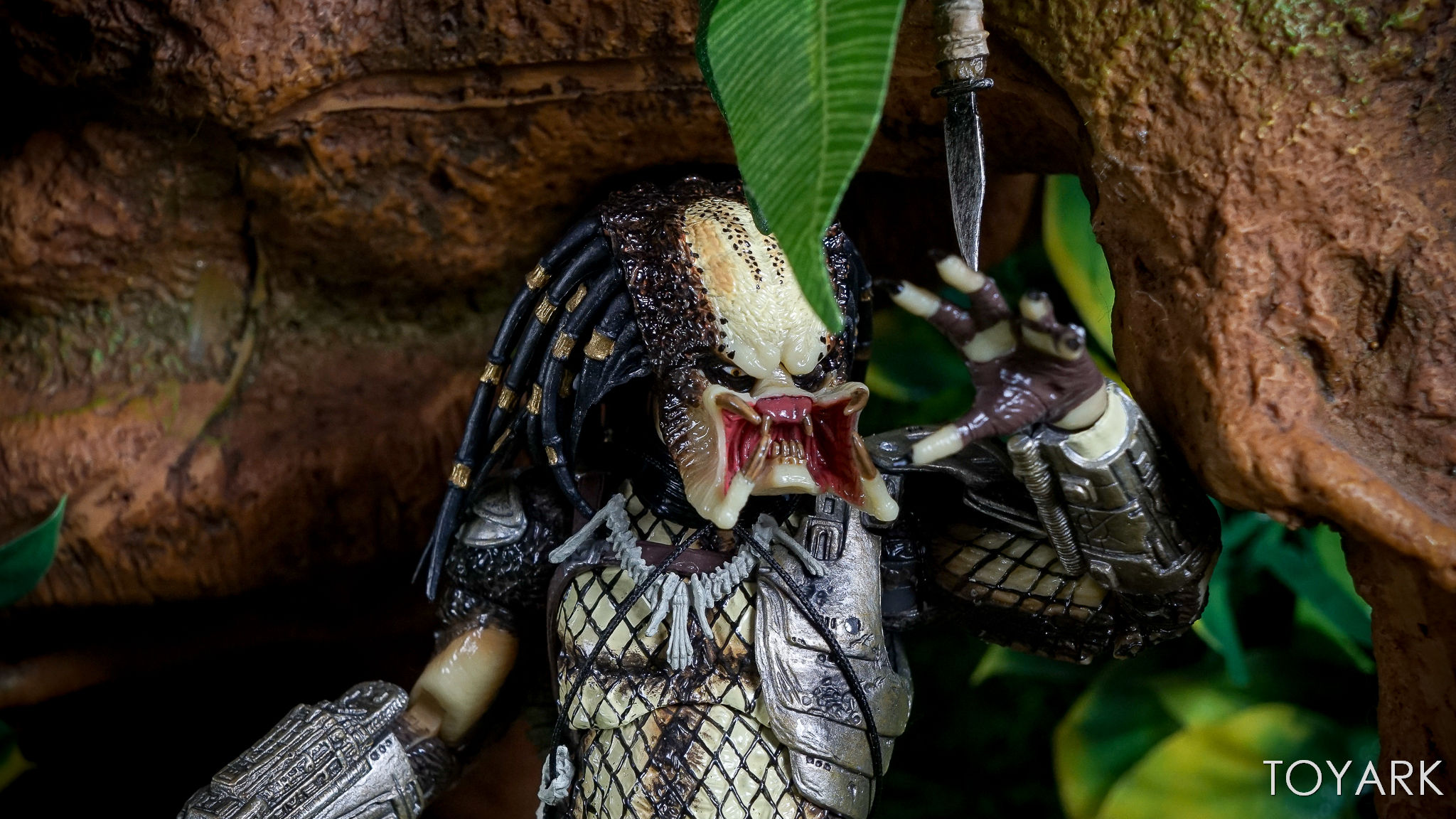 http://news.toyark.com/wp-content/uploads/sites/4/2017/06/Predator-30th-Anniversary-Set-126.jpg