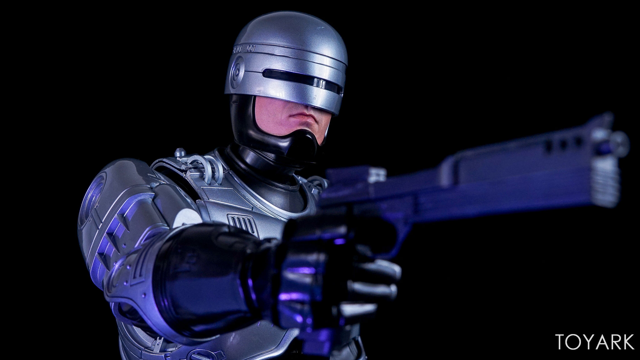 http://news.toyark.com/wp-content/uploads/sites/4/2017/07/Enterbay-Robocop-3-HD-Masterpiece-047.jpg