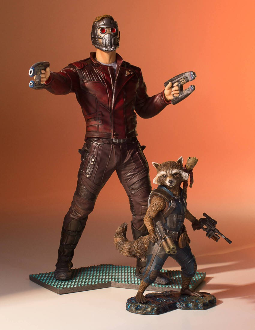 GotG-Vol-2-Rocket-and-Groot-Statue-009.j