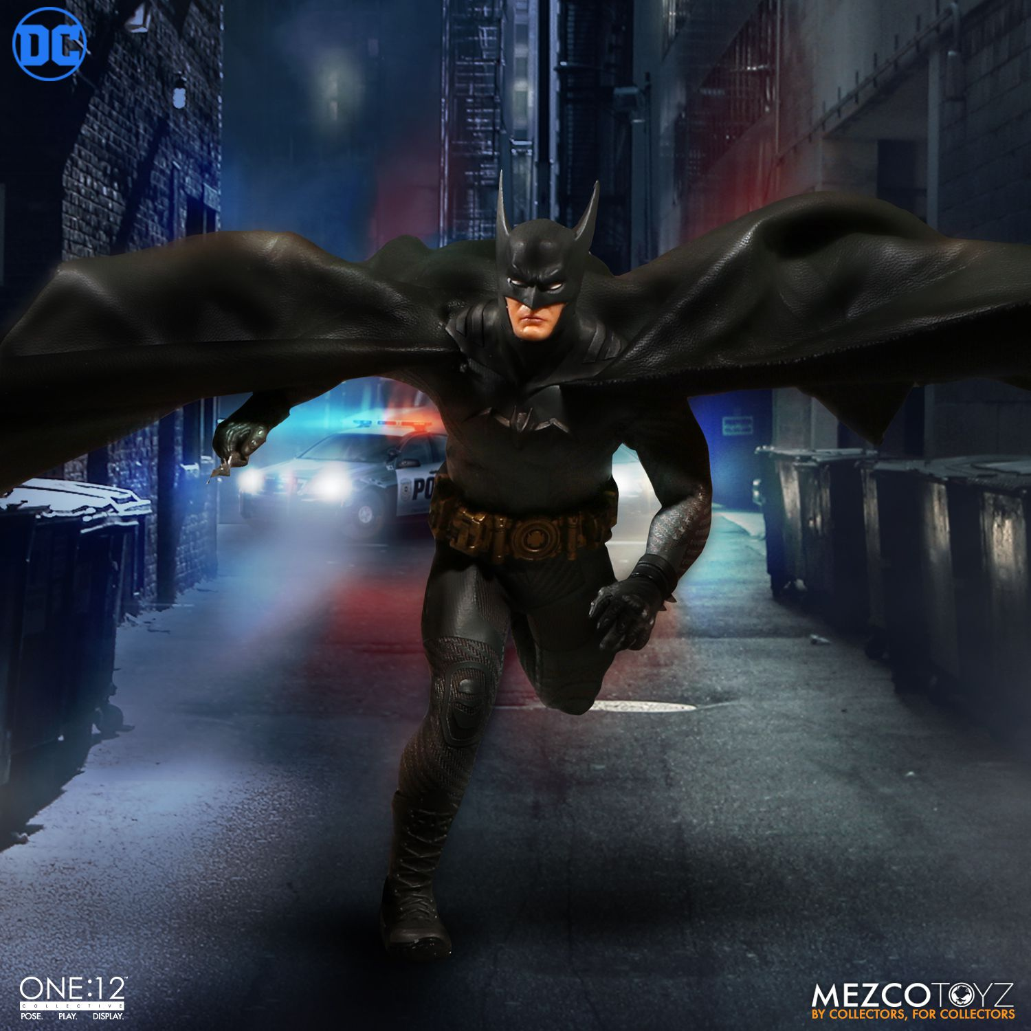 Mezco-Batman-Ascending-Knight-008.jpg