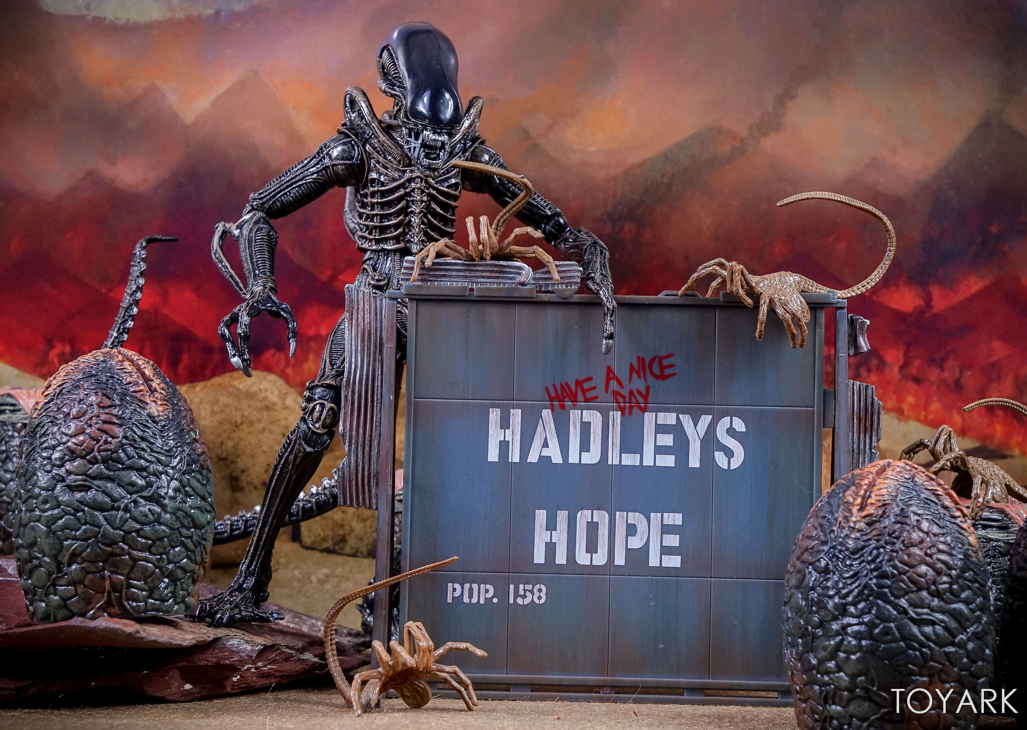 http://news.toyark.com/wp-content/uploads/sites/4/2017/09/Aliens-Hadleys-Hope-2-Pack-019.jpg