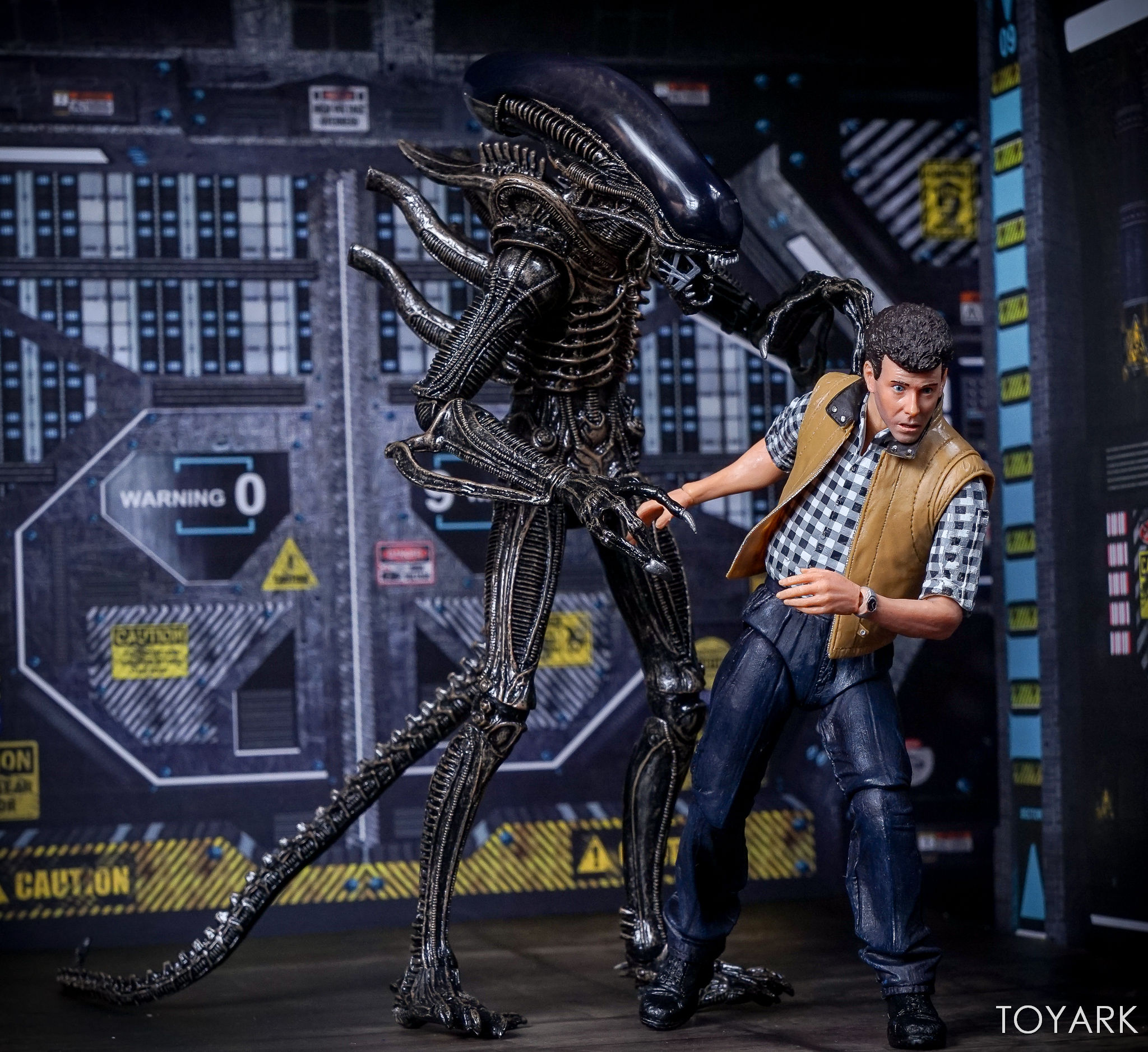 http://news.toyark.com/wp-content/uploads/sites/4/2017/09/Aliens-Hadleys-Hope-2-Pack-037.jpg