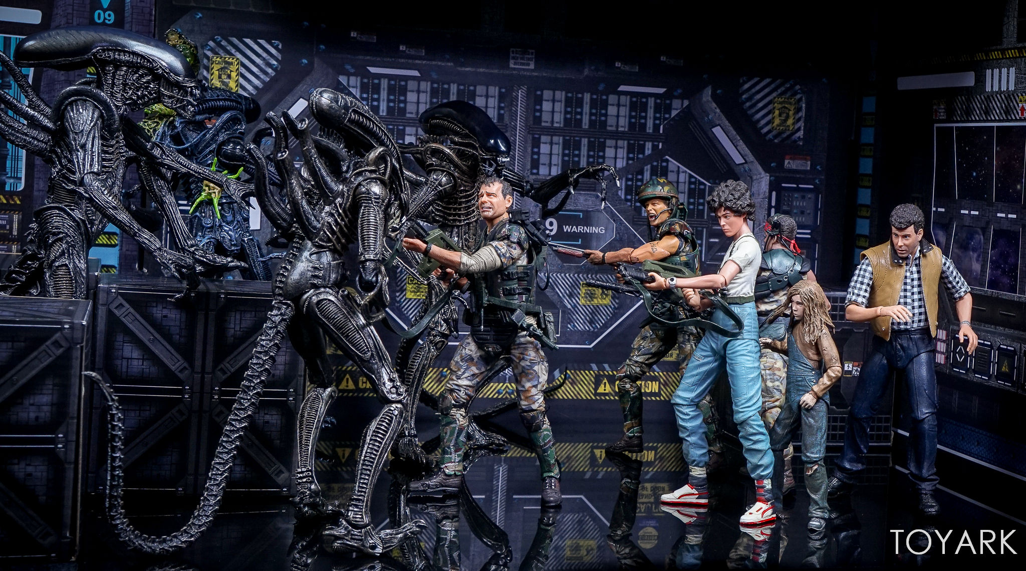http://news.toyark.com/wp-content/uploads/sites/4/2017/09/Aliens-Hadleys-Hope-2-Pack-039.jpg