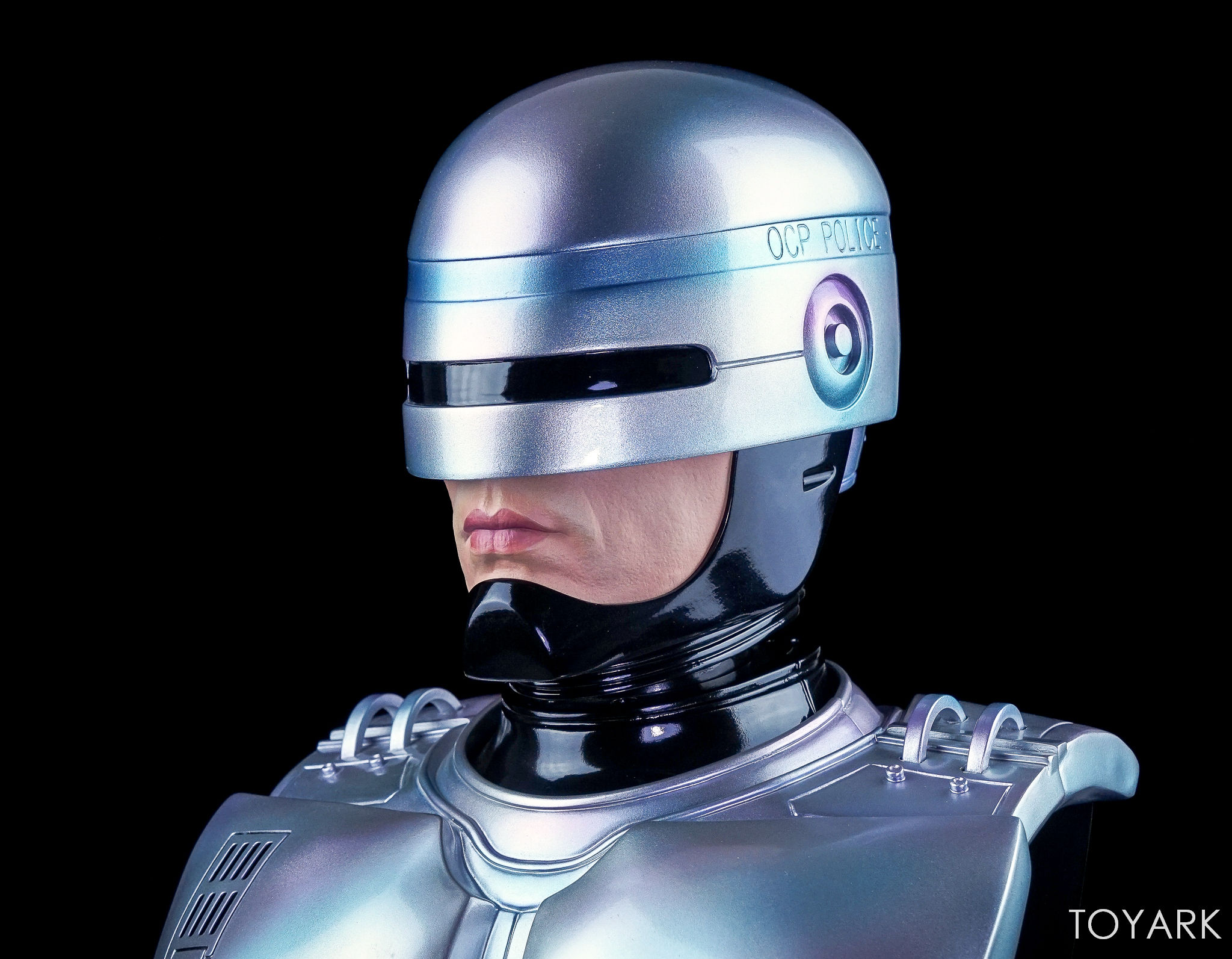 http://news.toyark.com/wp-content/uploads/sites/4/2017/09/Chronicle-Robocop-Half-Scale-Bust-011.jpg